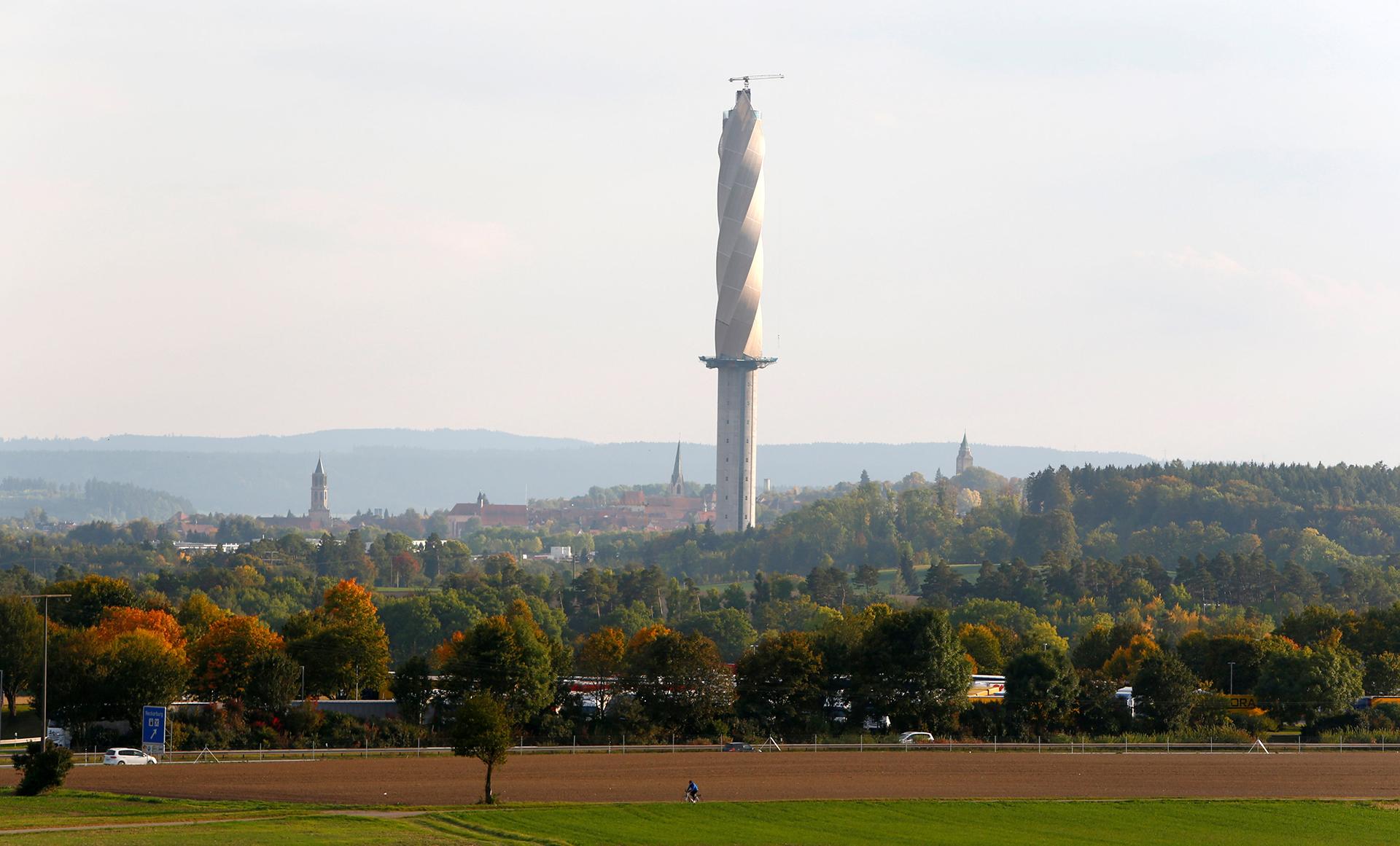 La Test Tower de Thyssenkruppen Rottweil, Alemania. Muchos la critican por su similitud con una broca gigante para realizar agujeros en las paredes