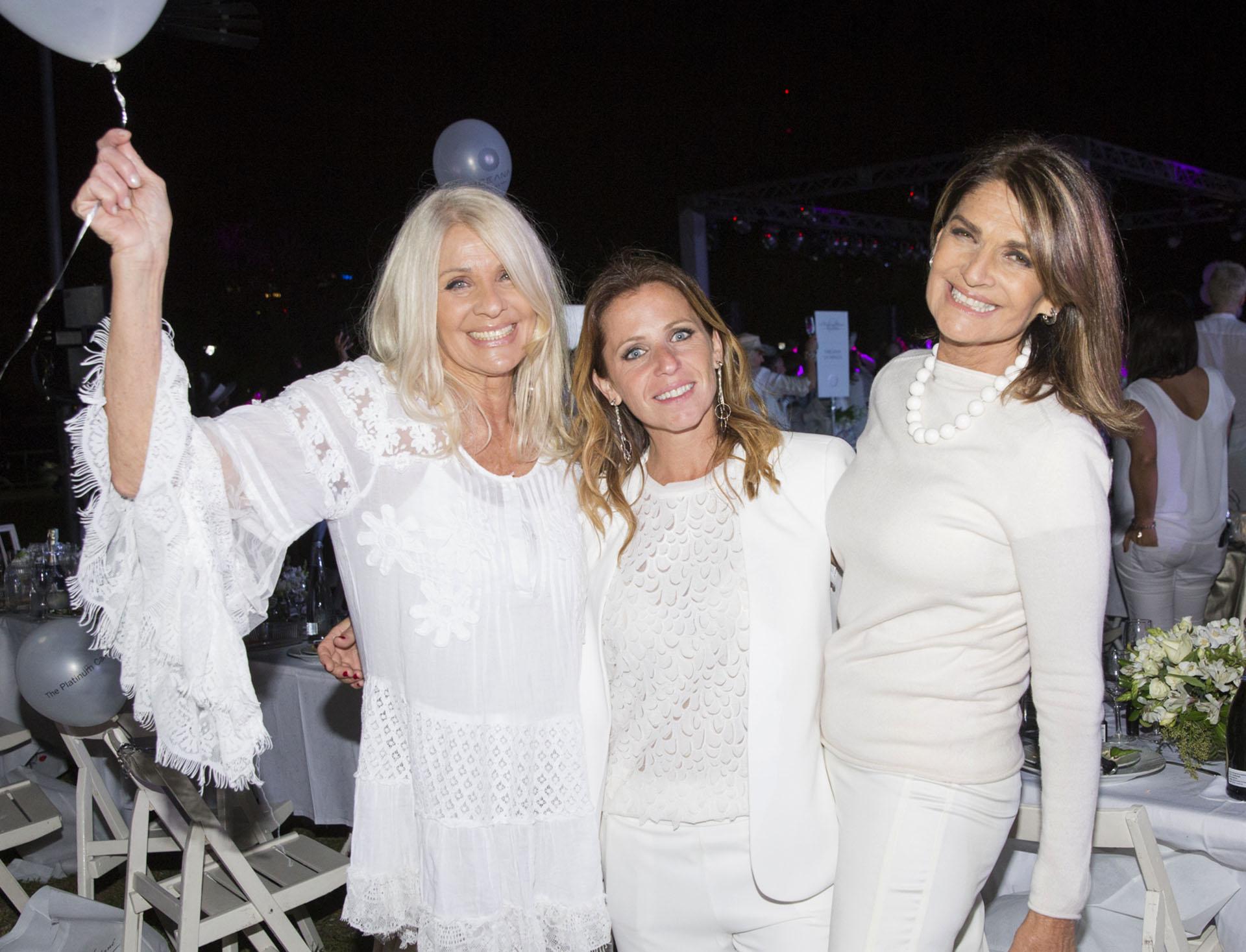 Evelyn Scheidl, Jimena Suárez y Teresa Calandra