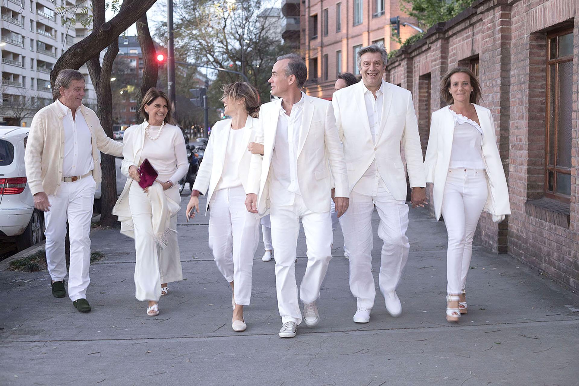 Gonzalo Bergadá, Teresa Calandra, María Freytes y su marido, y Mauricio Dalessandro y Mariana Gallego