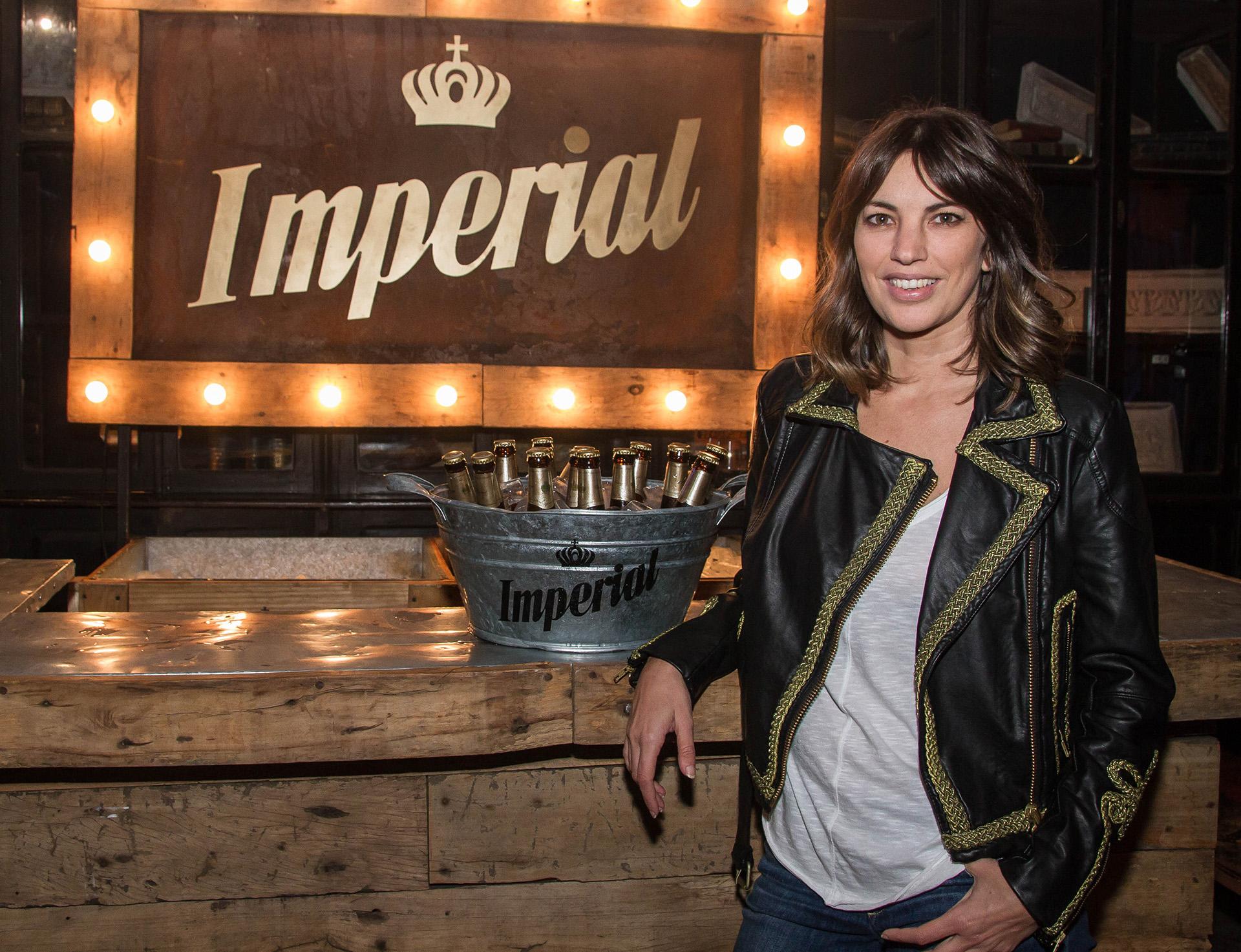 Deborah Del Corral pasó por el bar Nápoles para probar la nueva Imperial IPA.