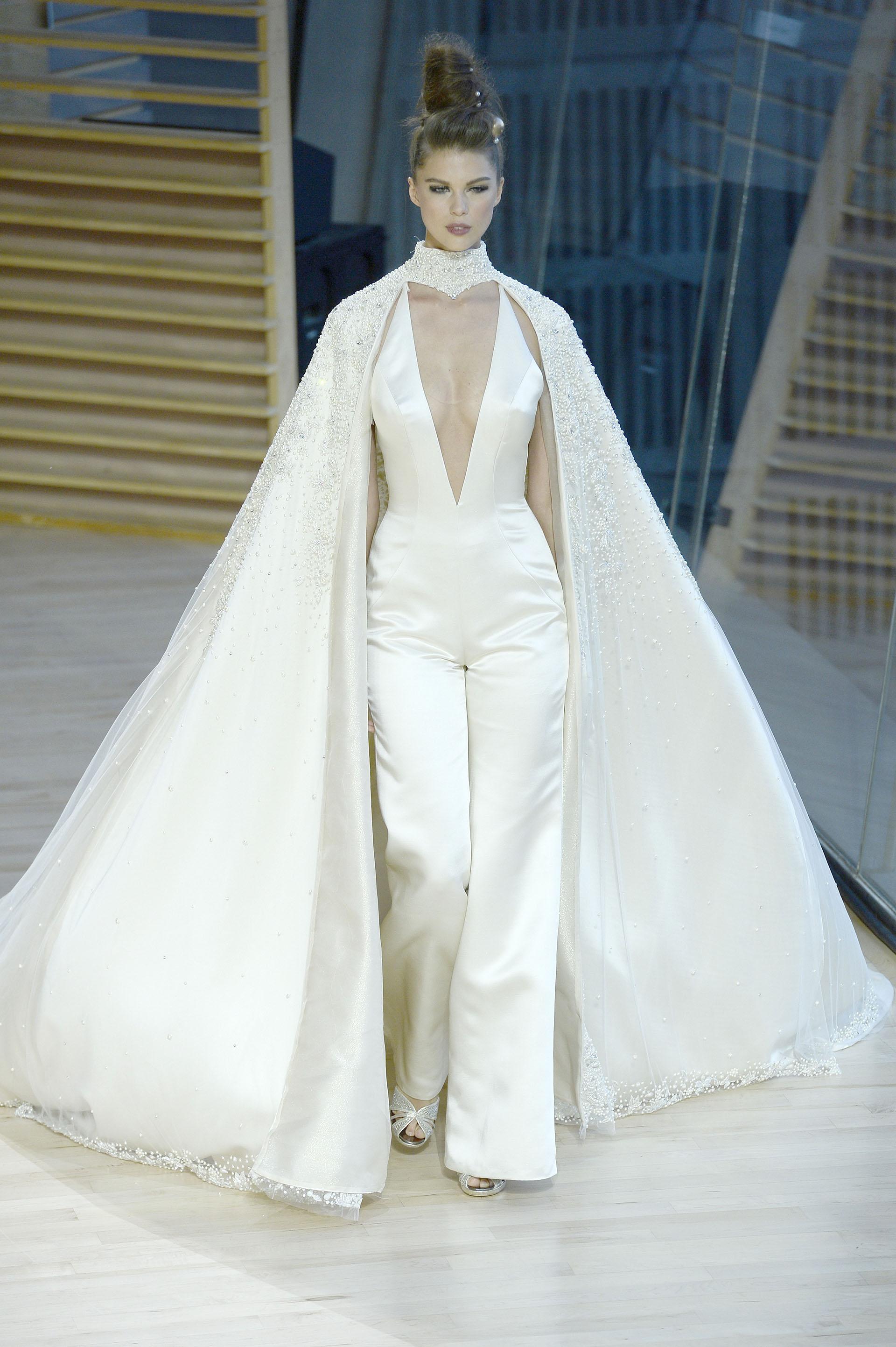 Ines Di Santo optó por modelos asimétricos y modernos donde la organza fue el tejido para dar vida a sus creaciones (Fernanda Calfat/Getty Images for Ines Di Santo)