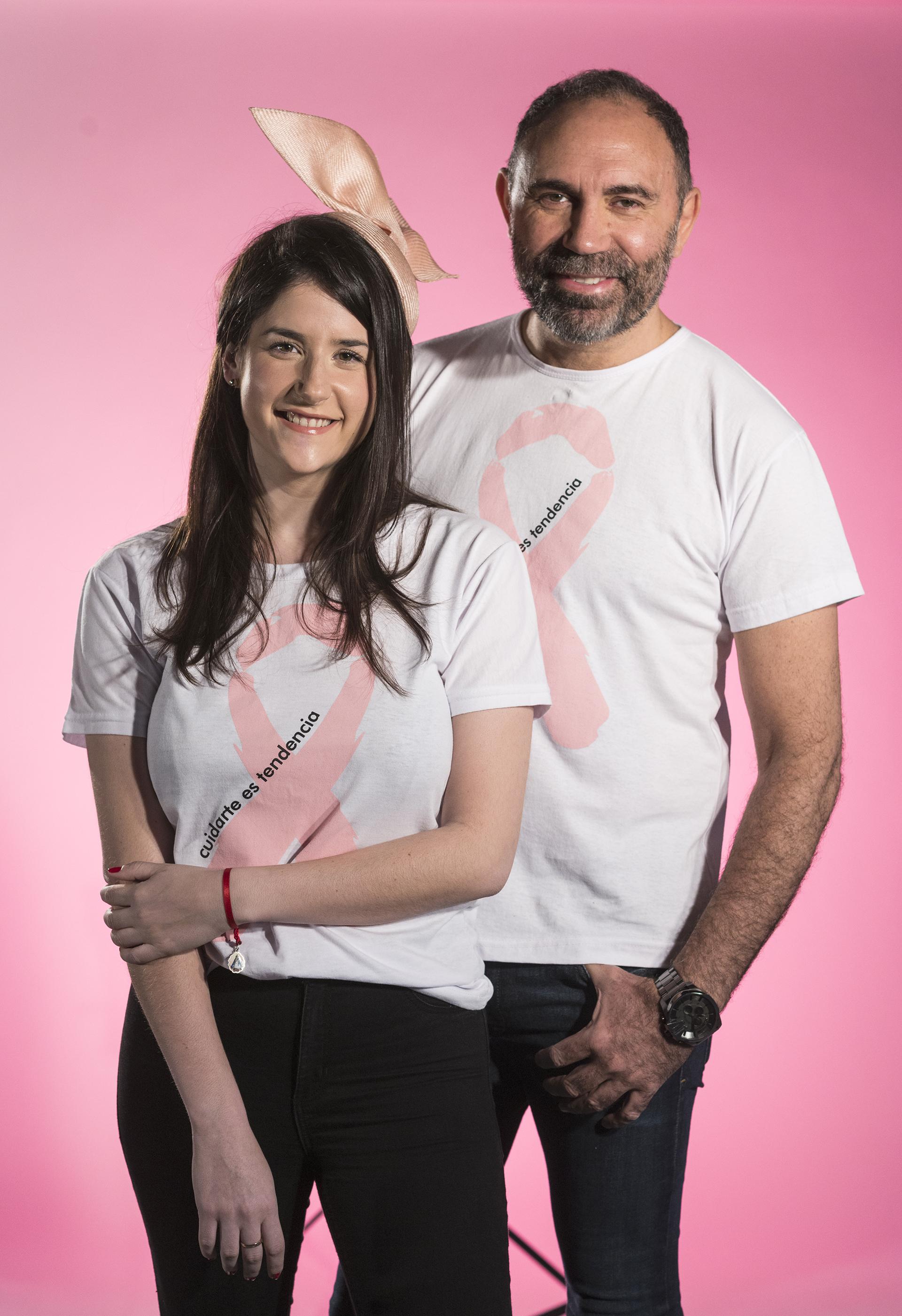 La diseñadora millennial y el referente de la alta costura argentina, juntos durante la campaña