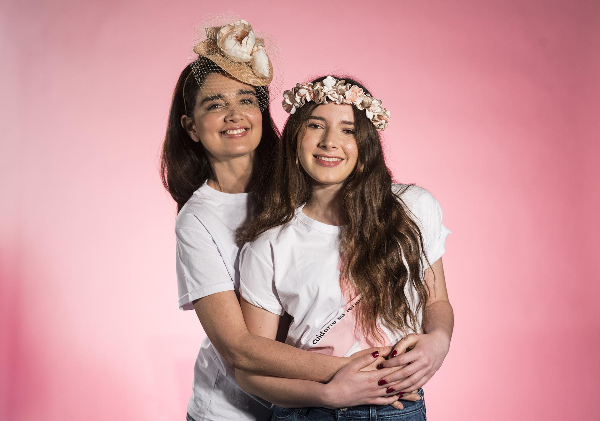 Verónica Varano posó junto a su hermosa hija María de 17 años para reforzar el mensaje de la prevención desde la adolescencia