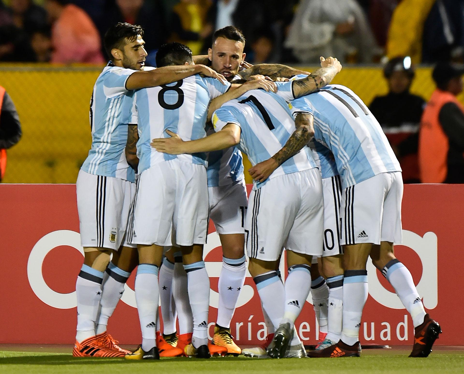 Con un hermoso disparo que se enredó en el ángulo de Banguera,, Messi puso el 2 a 1