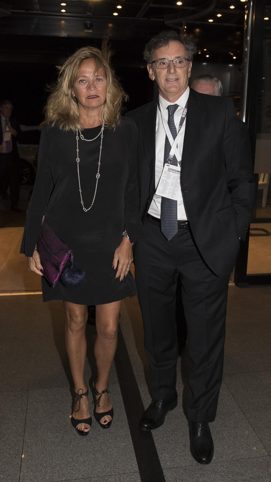 El presidente de ABA Claudio Cesario y su esposa