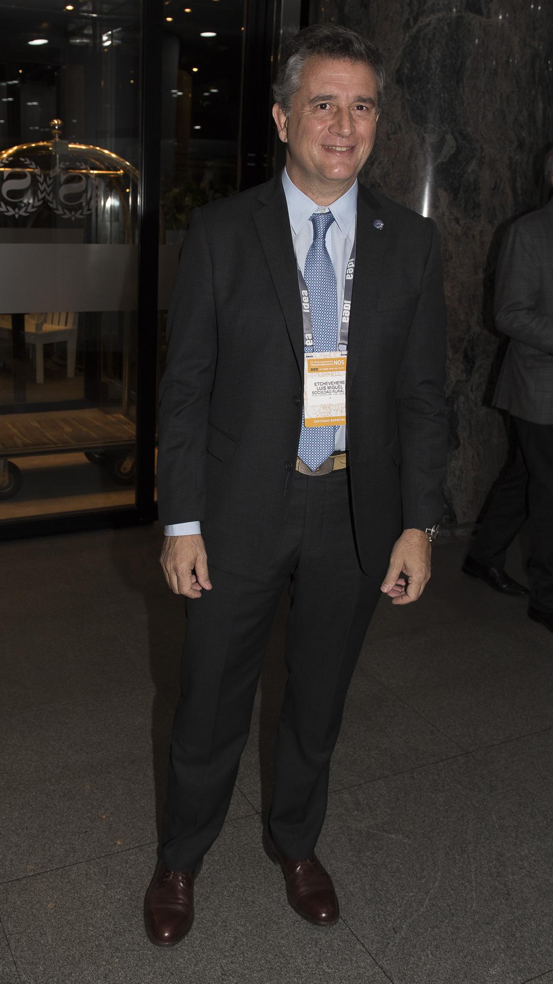 El presidente de la Sociedad Rural Argentina(SRA) Luis Miguel Etchevere,