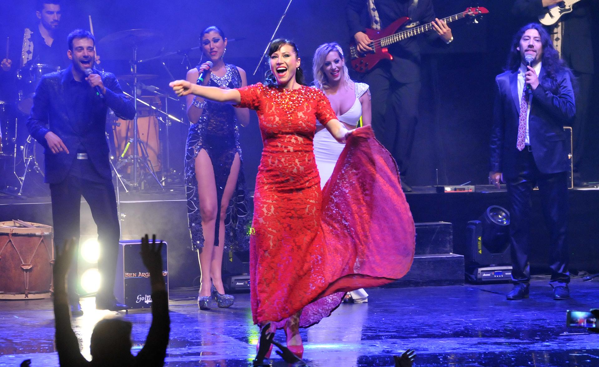 """Adabel Guerrero en el estreno de """"Bien Argentino"""". el espectáculo que se estrenó en el teatro Ópera. También participan Lourdes Sánchez, Noelia Marzol, Fernando Bertona, entre otros (Teleshow)"""