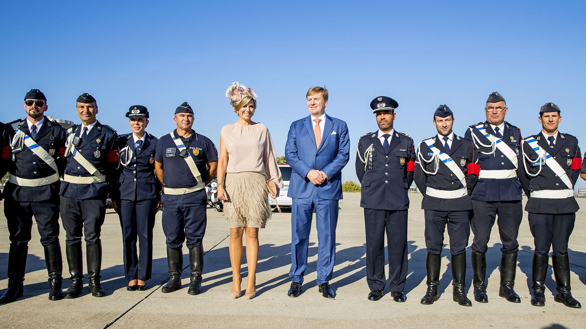 Los reyes hicieron una breve visita oficial a Portugal y Máxima volvió a ser el centro de las miradas por su fabuloso estilismo