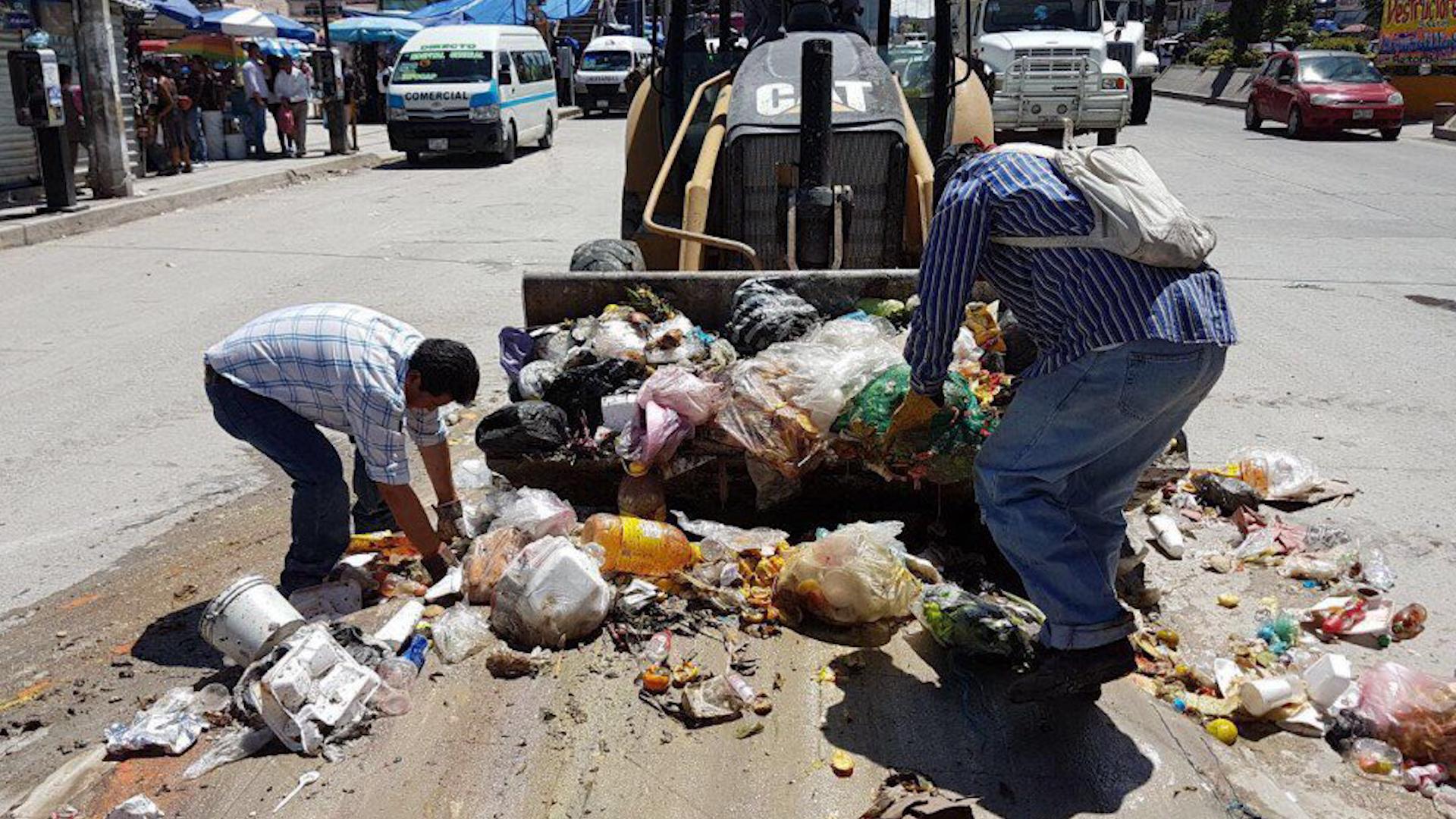 Más de 28 millones de toneladas de comida terminan en la basura al año en el país (Foto: Archivo)