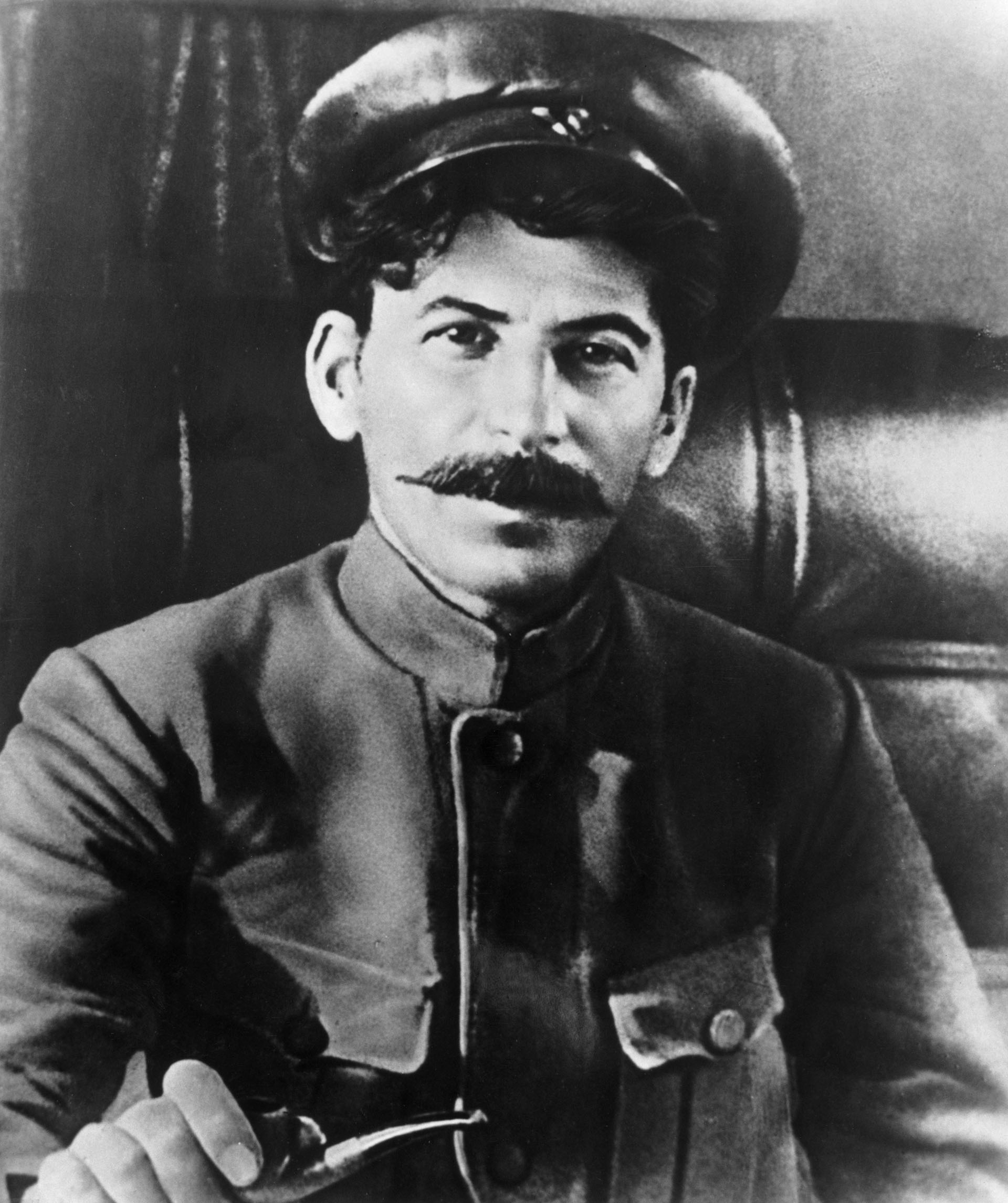 Josef Stalin en un retrato de 1915
