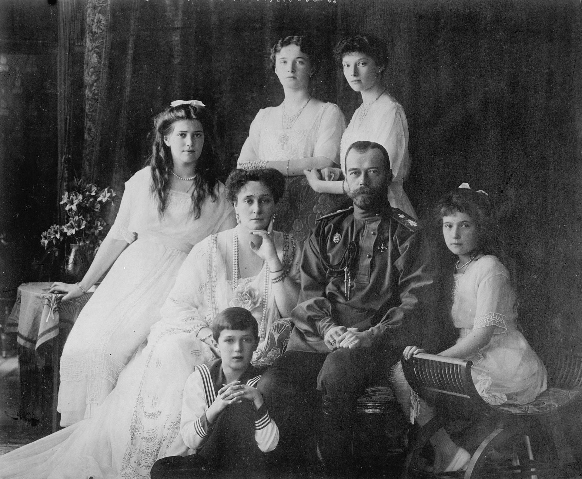 El zar Nicolas II, su esposa y sus cinco hijos, en el años 1910. (Photo by Fine Art Images/Heritage Images/Getty Images)