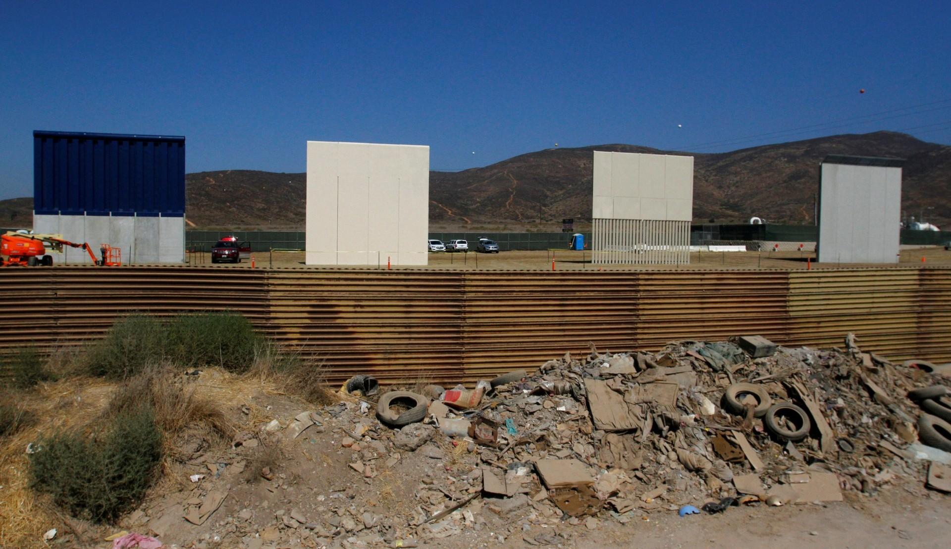 Prototipos, vistos desde el lado mexicano de la frontera(Reuters)