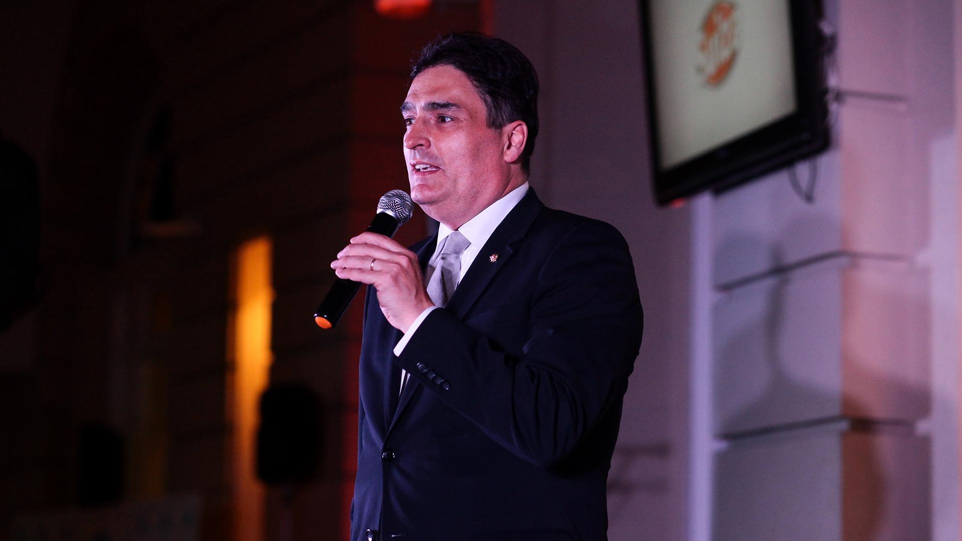 El discurso del embajador de Suiza, Hanspeter Mock