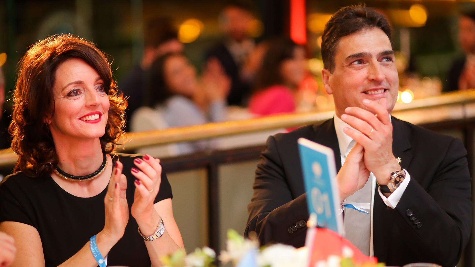 El embajador de Suiza y su mujer
