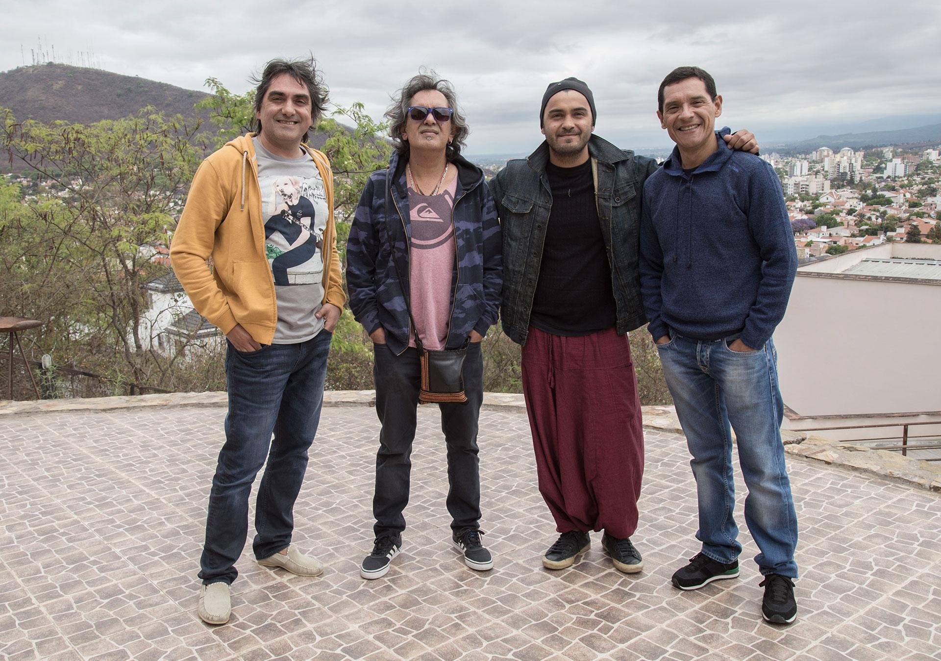 Los Nocheros: Kike con Mario, Ávaro y Rubén