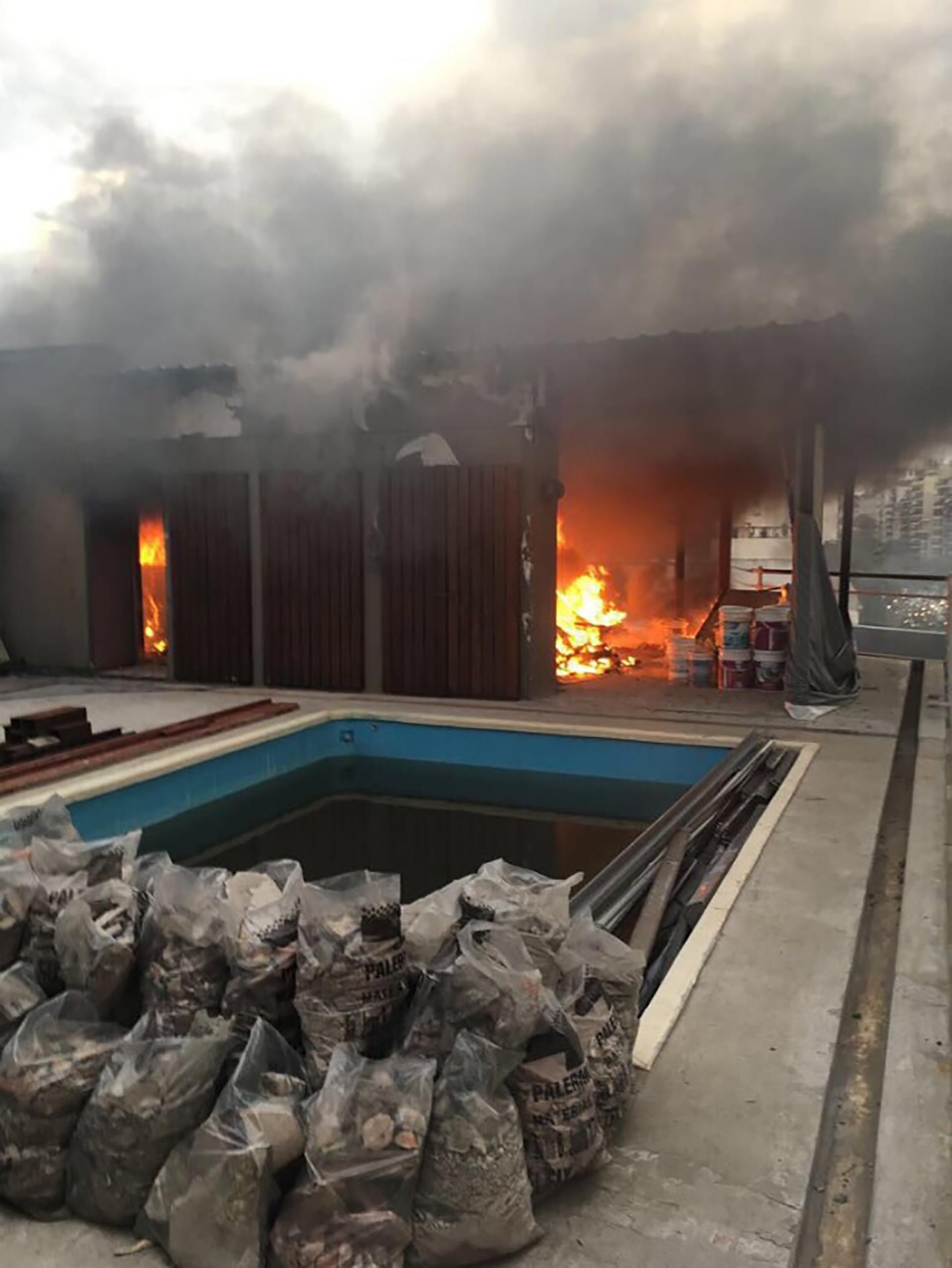 Se incendi la casa de gustavo sofovich en la terraza del for La terraza de la casa del soldado