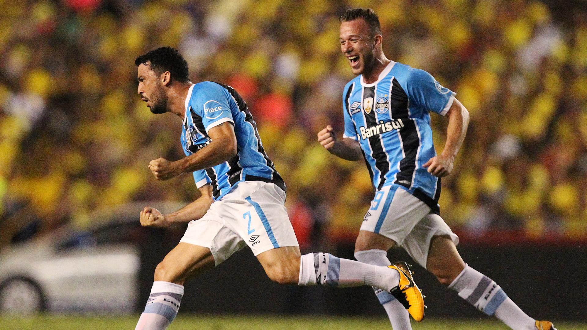 El Gremio de Brasil sostuvo la diferencia sobre Barcelona y es el otro finalista (Reuters)