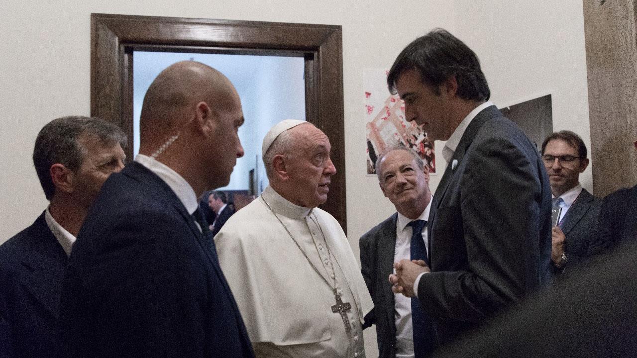 Esteban Bullrich junto al papa Francisco (Schollas Occurrentes)