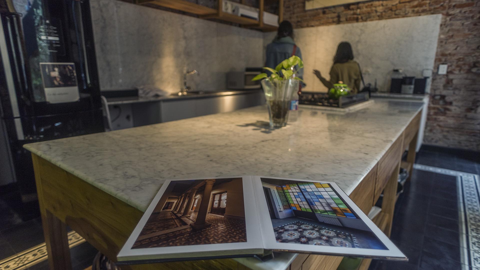 El desafío de los arquitectos fue reorganizar la vivienda adaptándola a las necesidades del comitente recuperando el espíritu original de la construcción