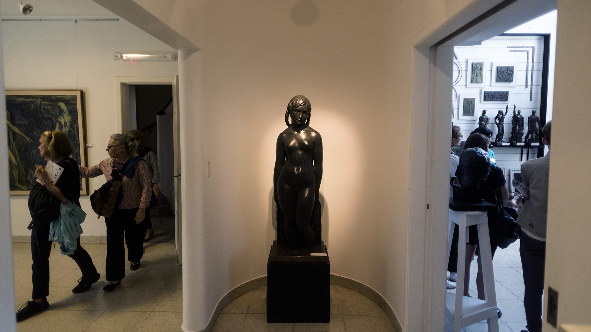 Su visita nos permite conocer una de las viviendas modernas más interesantes construidas en Buenos Aires, además de la posibilidad de tener contacto con una gran cantidad de obras de los dos artistas, expuestas allí