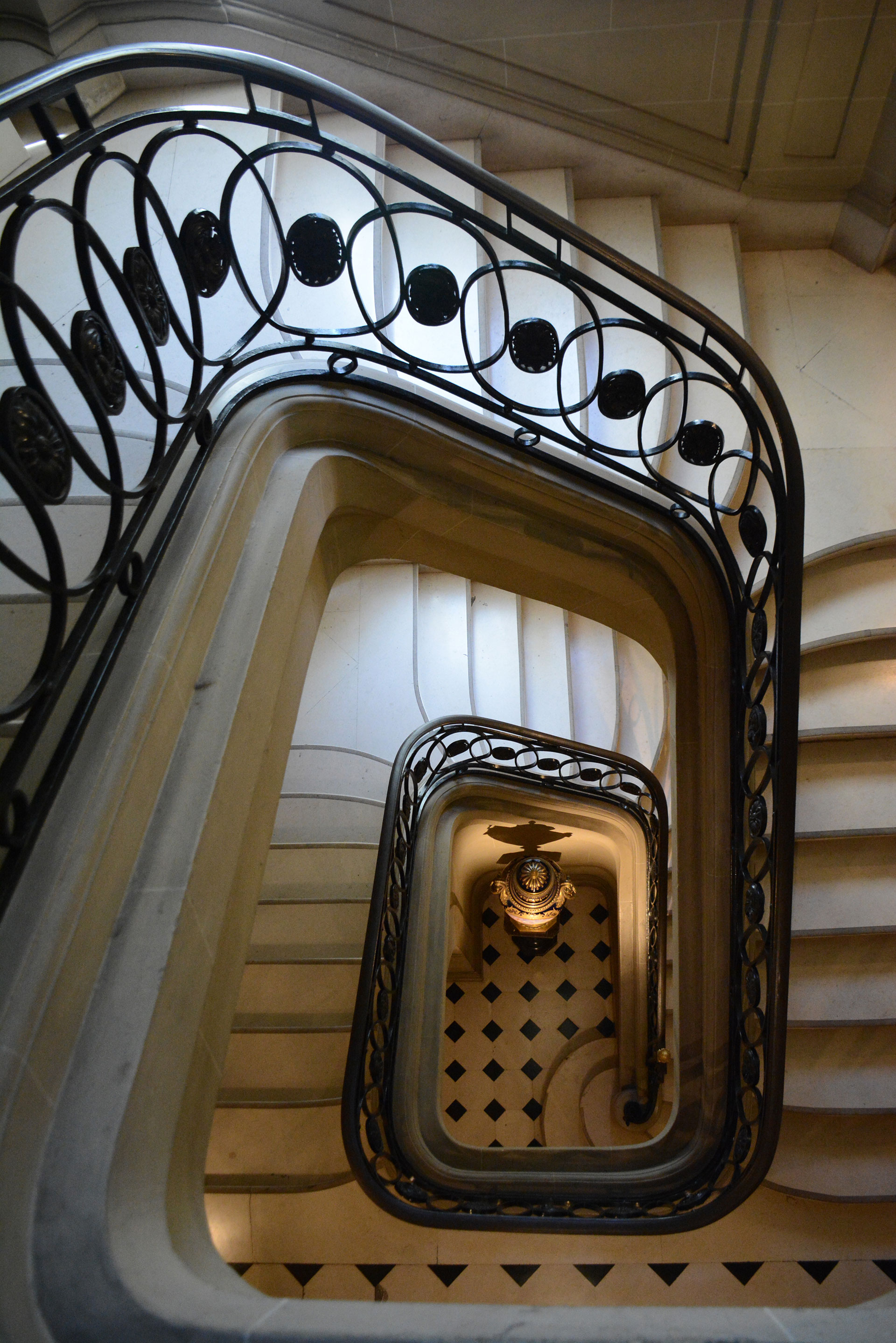El arquitecto francés René Sergent que a principios del siglo XX trabajó en París, Buenos Aires y Nueva York, realizó el proyecto de la residencia en 1911