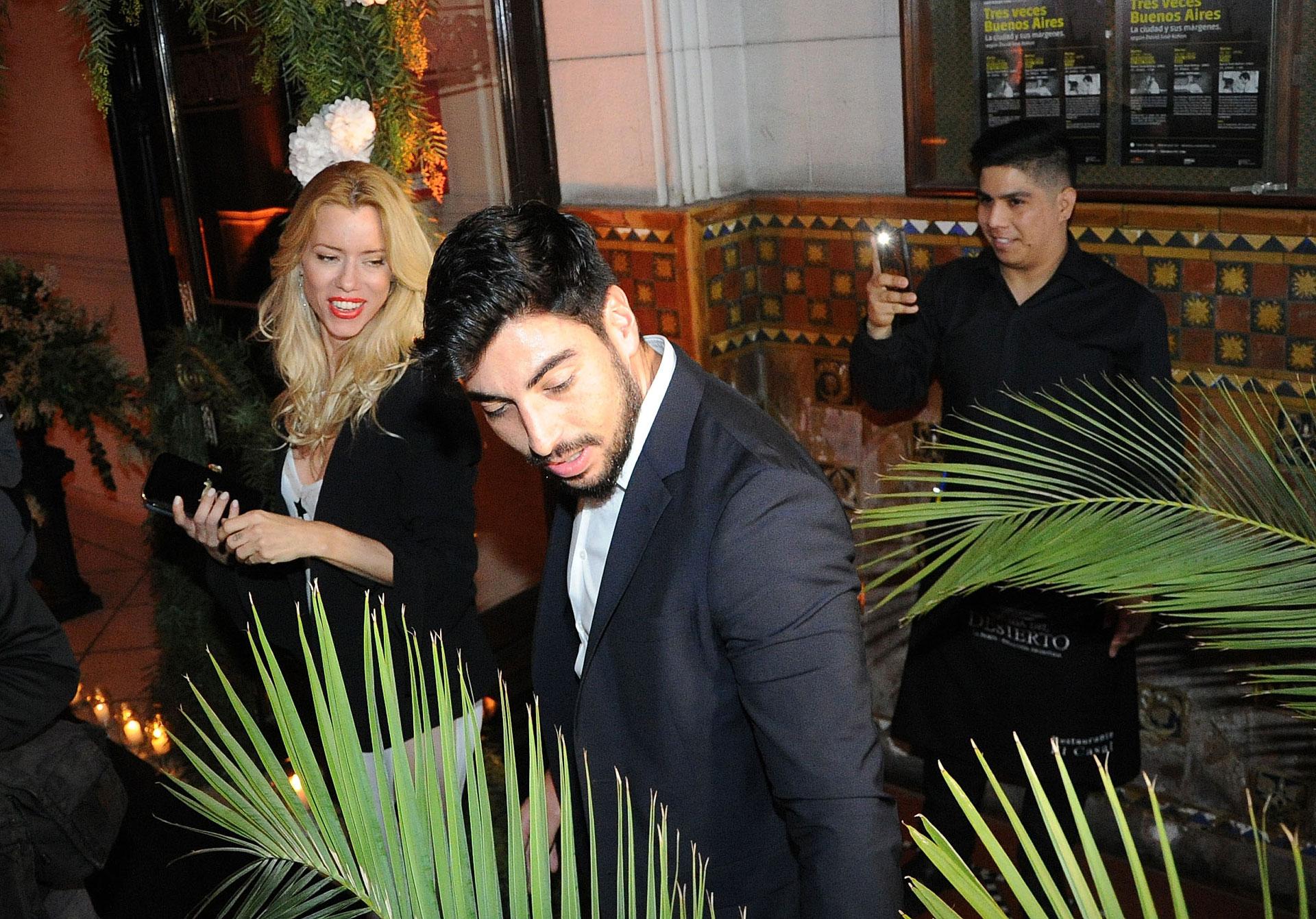 La modelo y conductora fue acompañada por su pareja Facundo Moyano