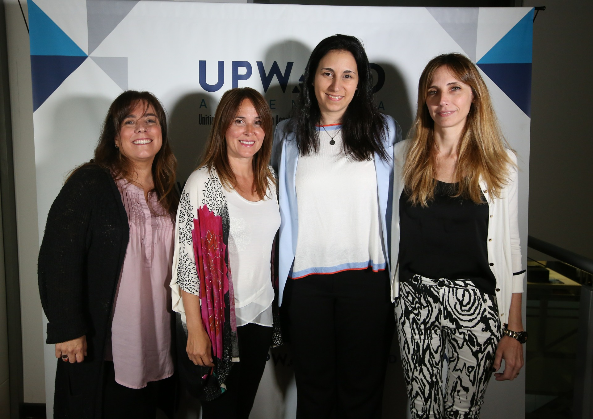 Solange Curutchet (YuMe Argentina), Verónica Vázquez (directora comercial de Walmart), Carolina Capitelli (Gerente de Operaciones de Nielsen) y Cecilia Frka (Gerente de Comunicaciones de Nielsen)