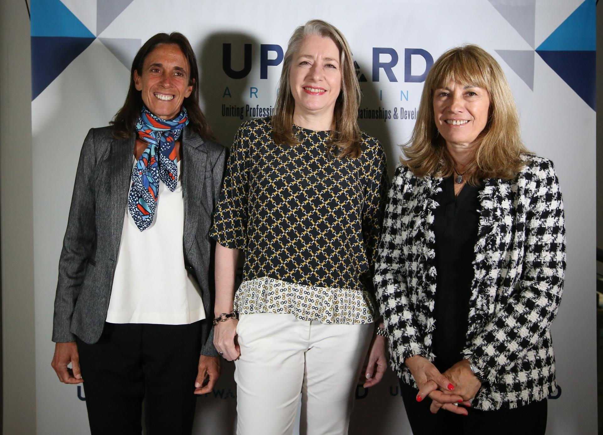 Mariana Feld (directora regional de YPO en la región latinoamericana), María Amelia Videla (directora de Sustenibilidad y Asuntos Públicos en ManpowerGroup Argentina) y Claudia Segovia (directora de Operaciones de CDA Informática)