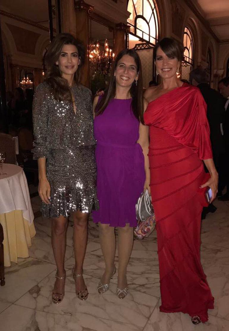 Juliana Awada en la gala apoyando el proyecto de DISFAM (Facebook)