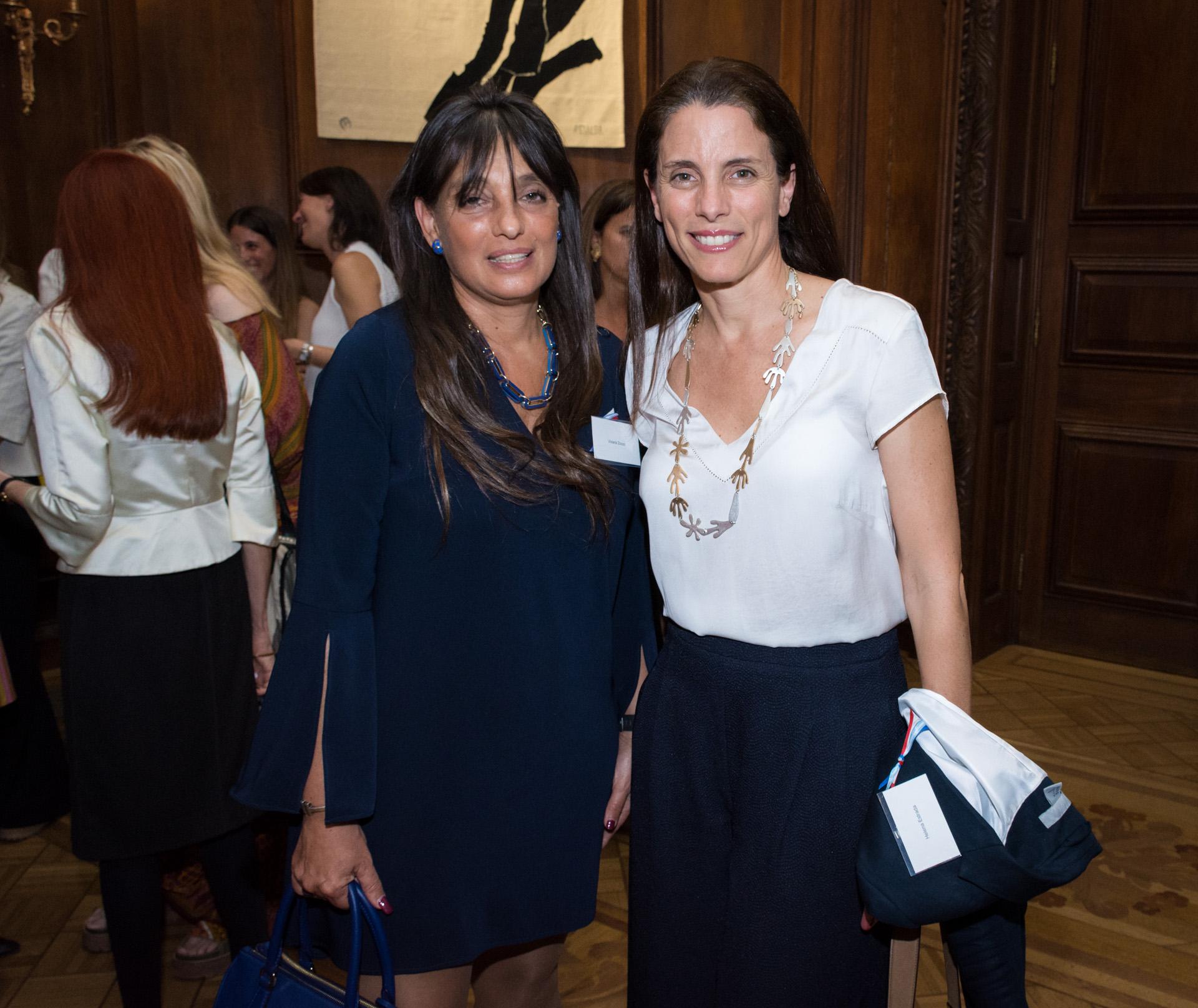 Viviana Zocco (fundadora de Grupo VI-Da) junto a Helena Estrada (directora del programa mujeres del Ministerio de Producción)