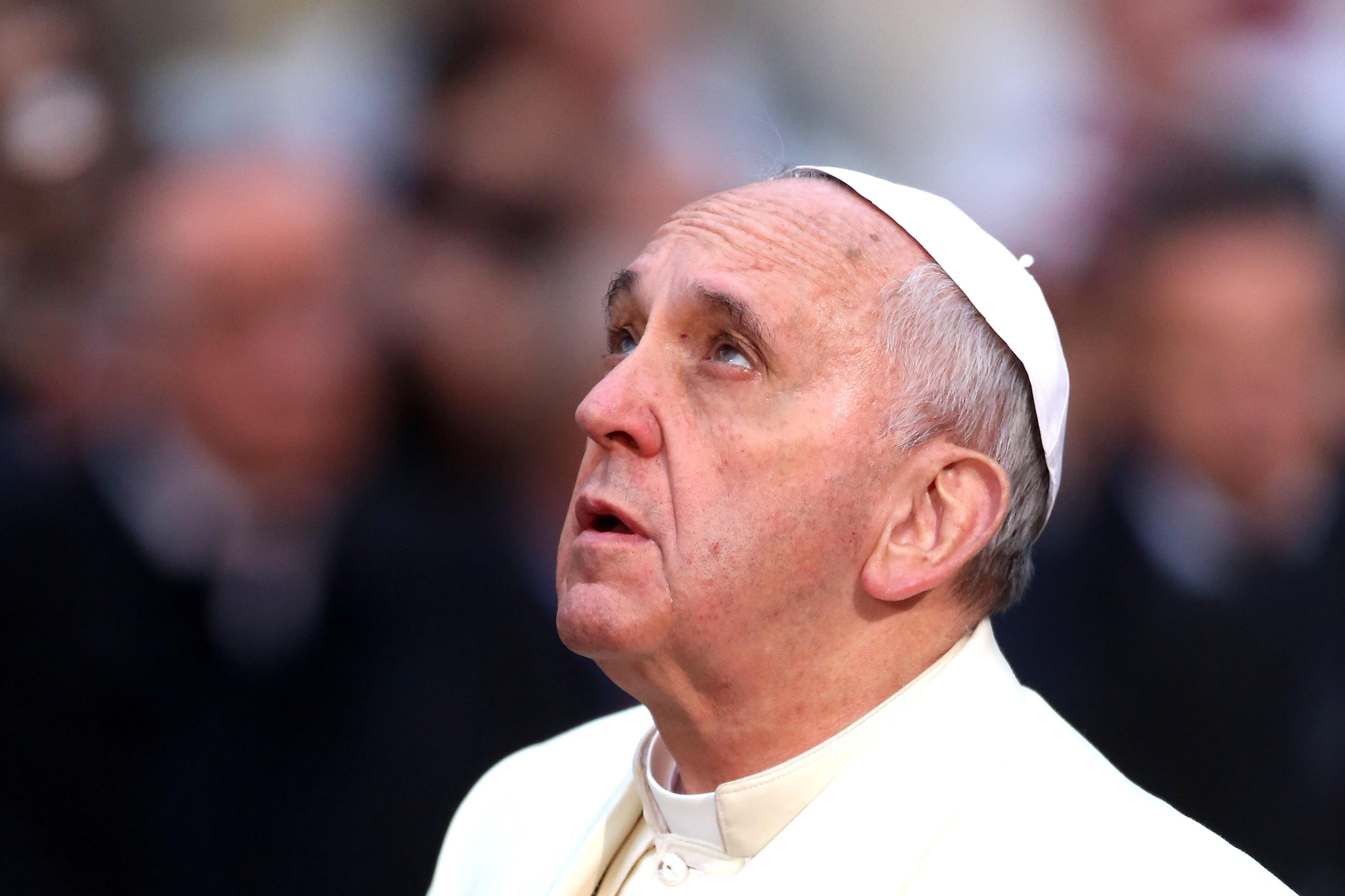 Papa expresa dolor por ataques en Nueva York, Afganistán y Somalia