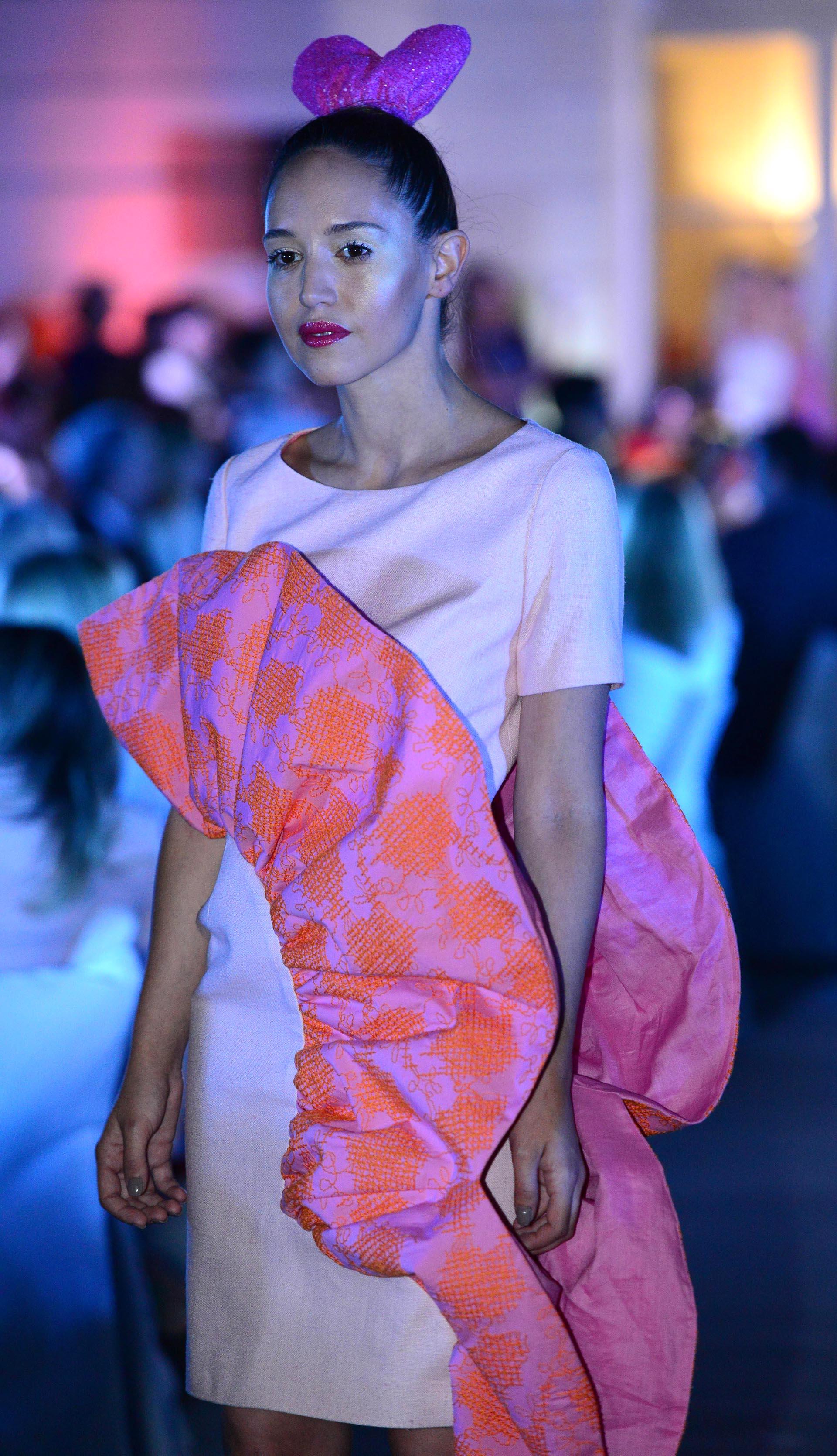 Contemporáneo Vestido De Novia Tradicional Mexicana Ideas Ornamento ...