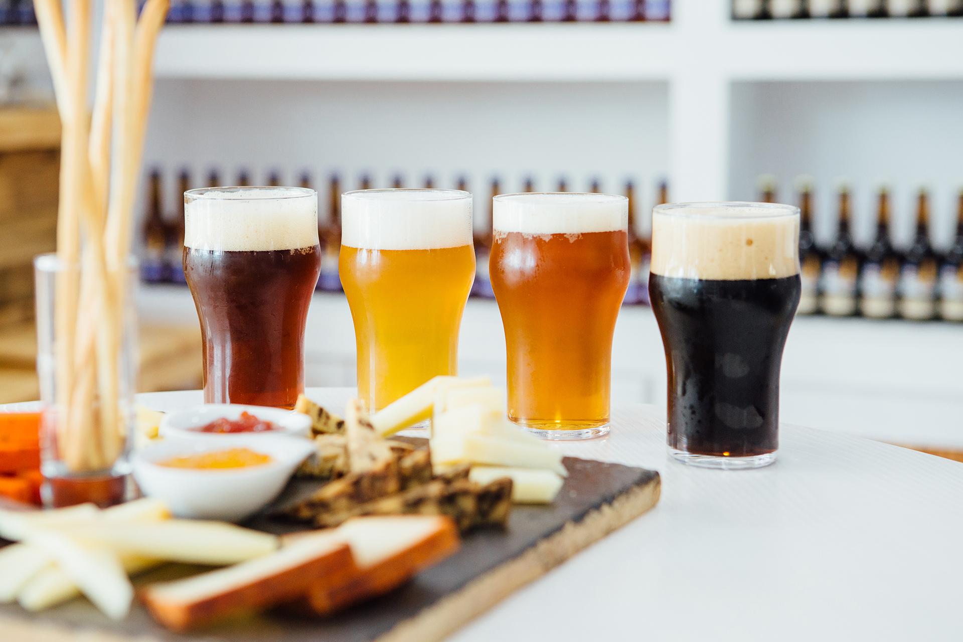 """Las opciones disponibles en los """"bares cerveceros"""" incluyen bebidas dulces y amargas (Getty)"""