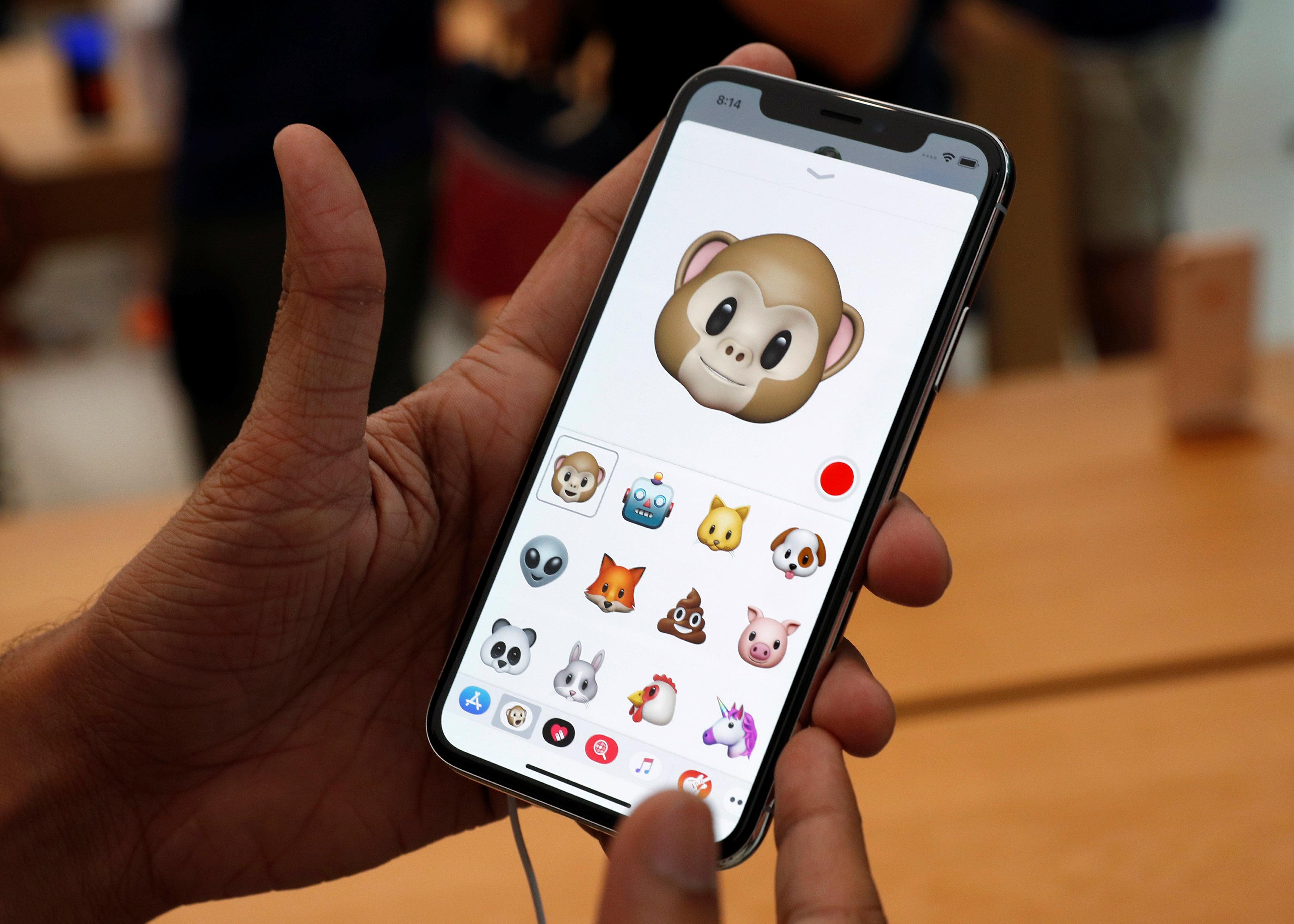Las Animoji serán una de las novedades del iPhone X(REUTERS/Edgar Su)