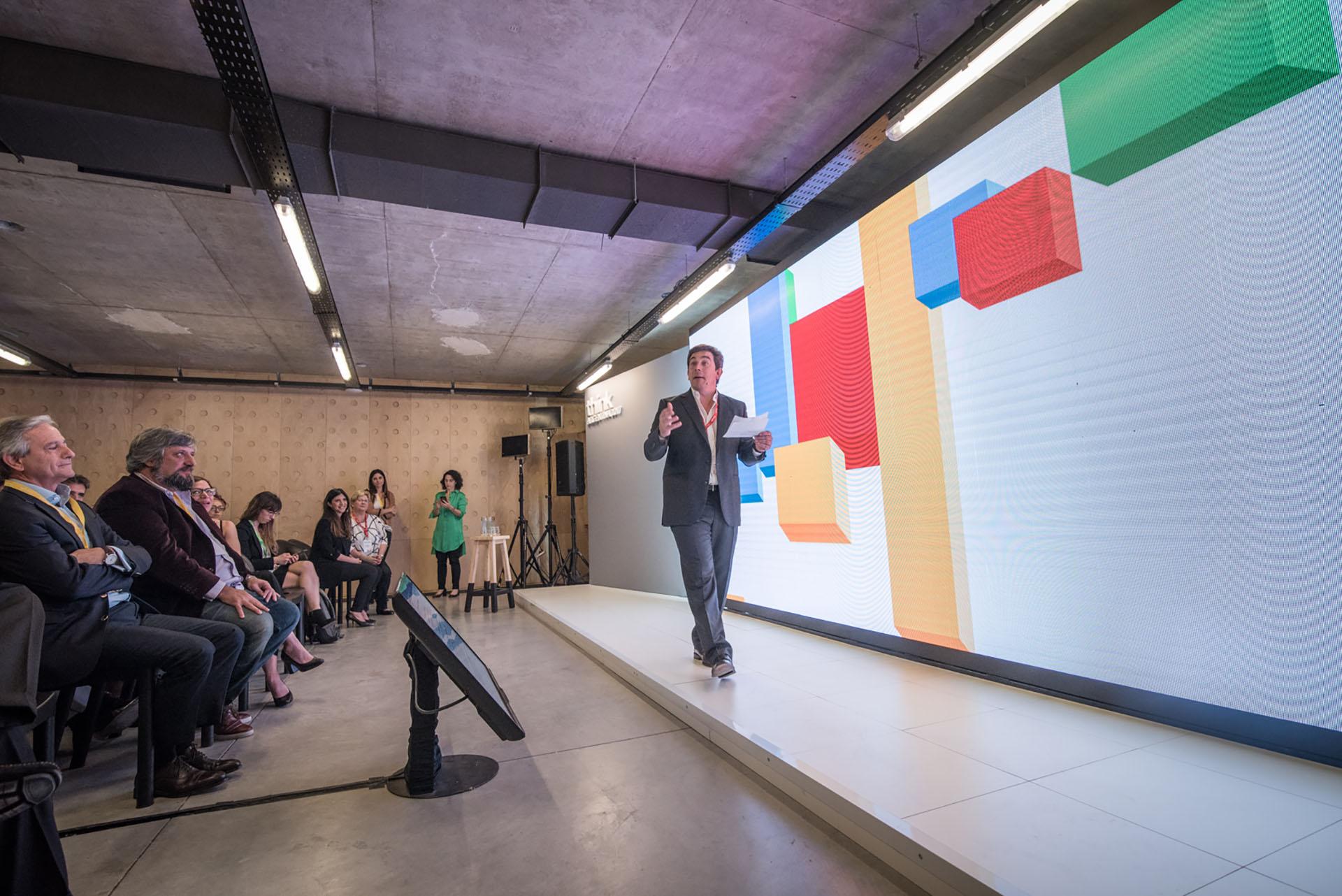 Procaccini mencionó, entre otras iniciativas de la empresa, a Google Primer, una plataforma de capacitación gratuita para ayudar a estudiantes y emprendedores a desarrollar habilidades digitales básicas (Guillermo Llamos)