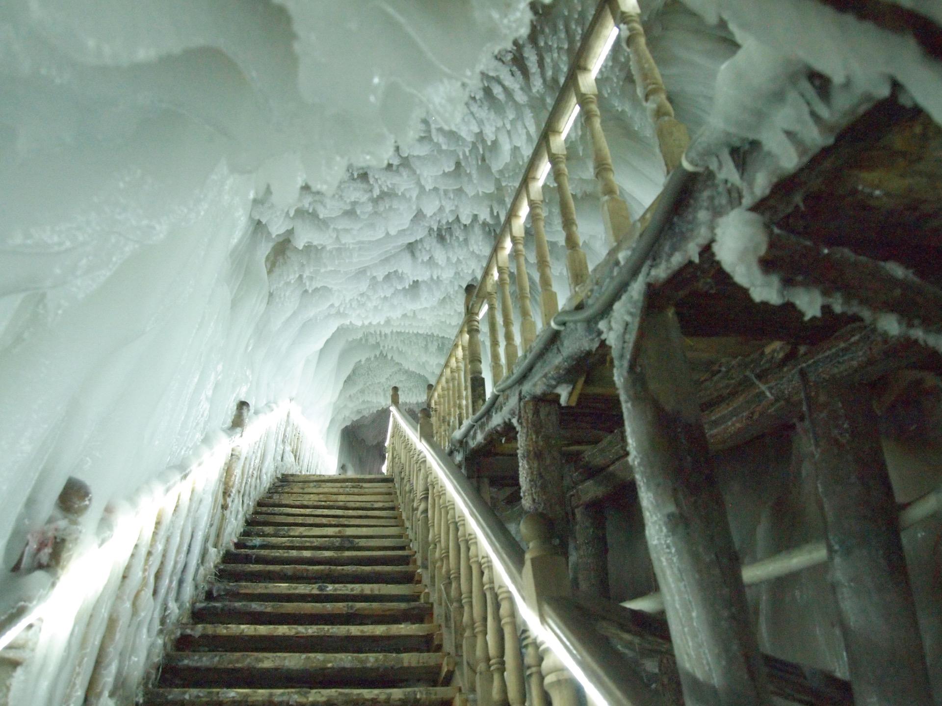 Con 100 metros de largo y ochenta y cinco de profundidad, la caverna Ningwu se halla a dos mil trescientos metros sobre el nivel del mar