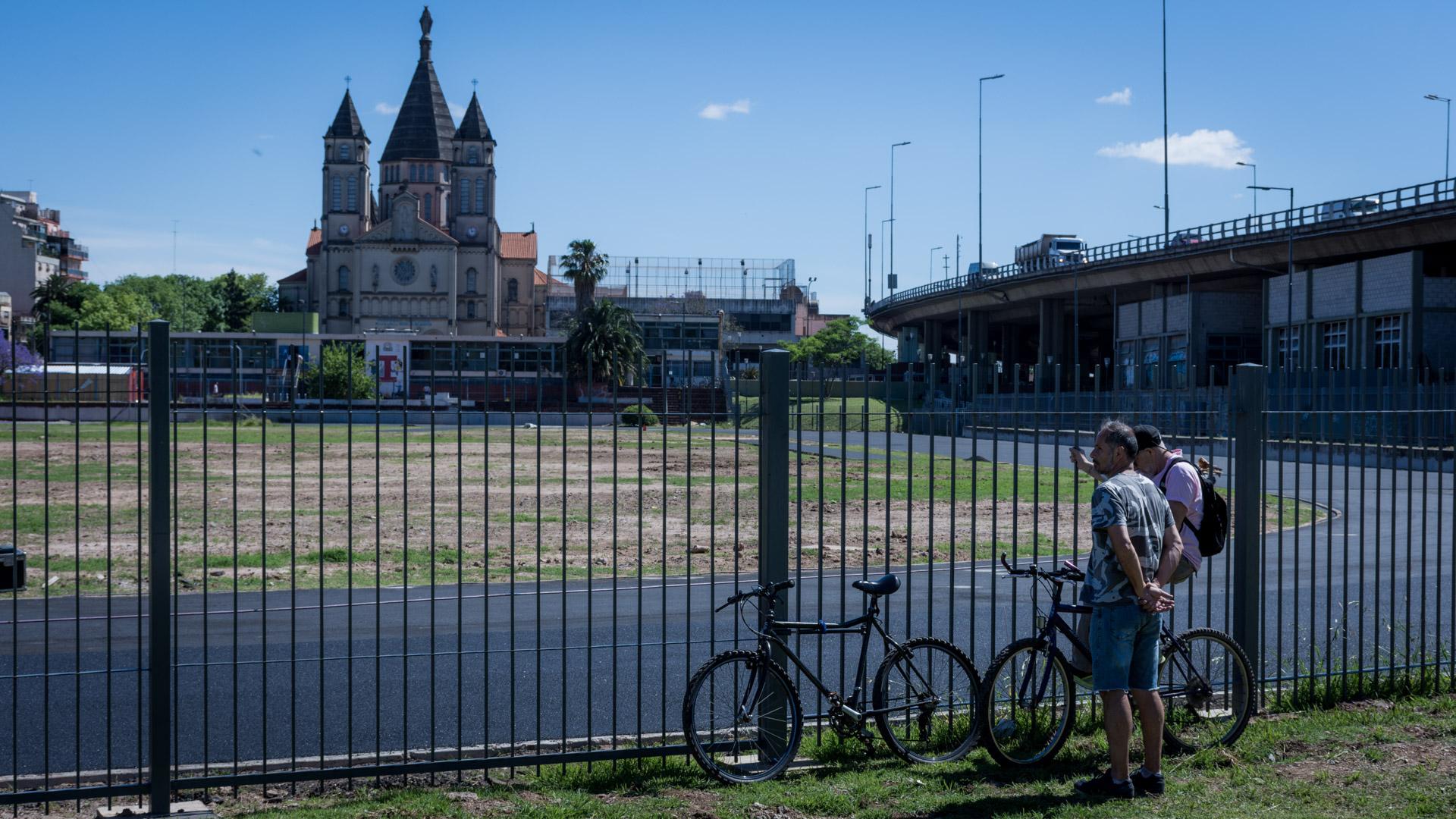 Los vecinos finalmente votaron cómo se llamará la flamante pista atlética(Martín Rosenzveig)