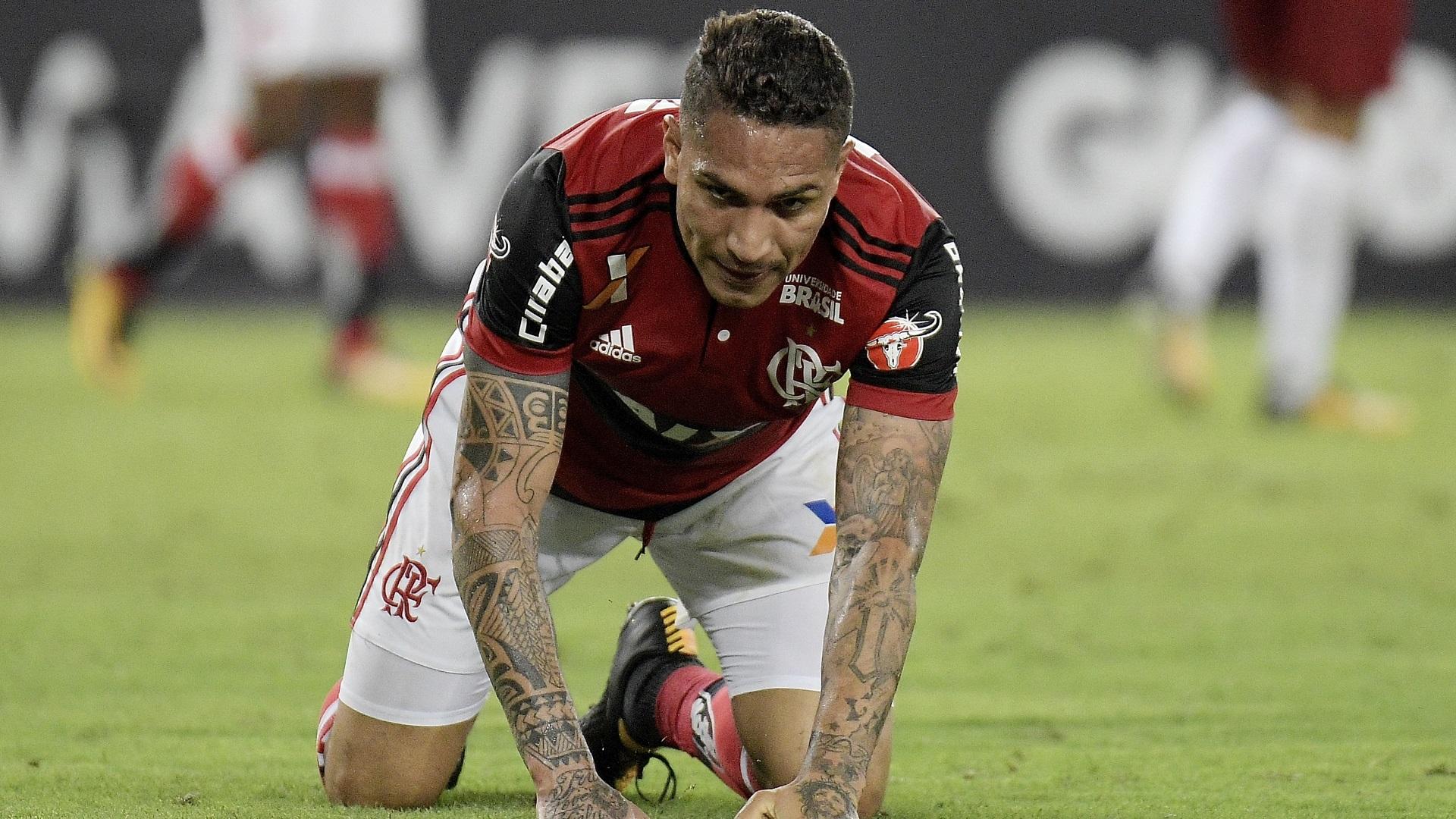 El delantero se perderá el repechaje de Perú y la semifinal de la Sudamericana con Flamengo (Getty)