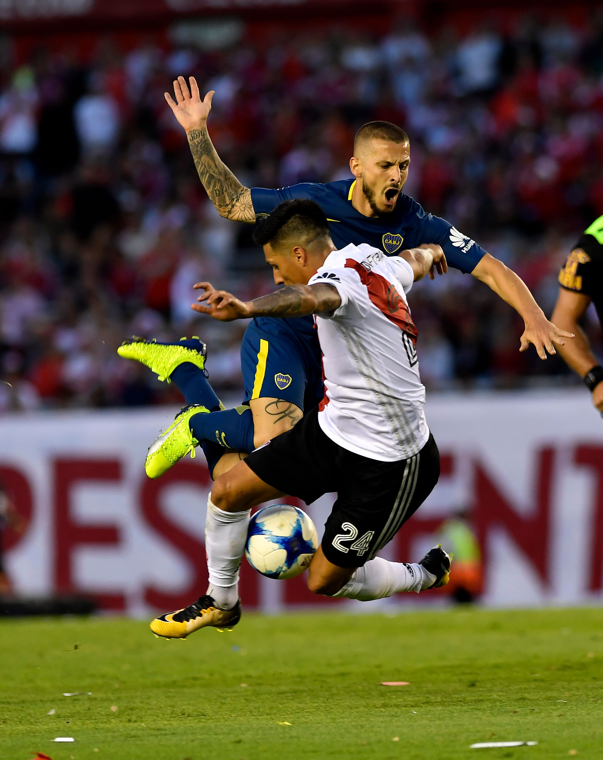 Elclásico del 5 de noviembre, por la Superliga, fue transmitido por los mismos canales (Télam)