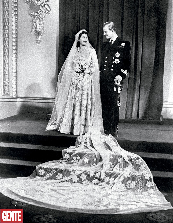 Después de la ceremonia, los novios ofrecieron una recepción en el Palacio de Buckingham, con una torta de cuatro pisos que pesaba 200 kilos. FOTO: AFP