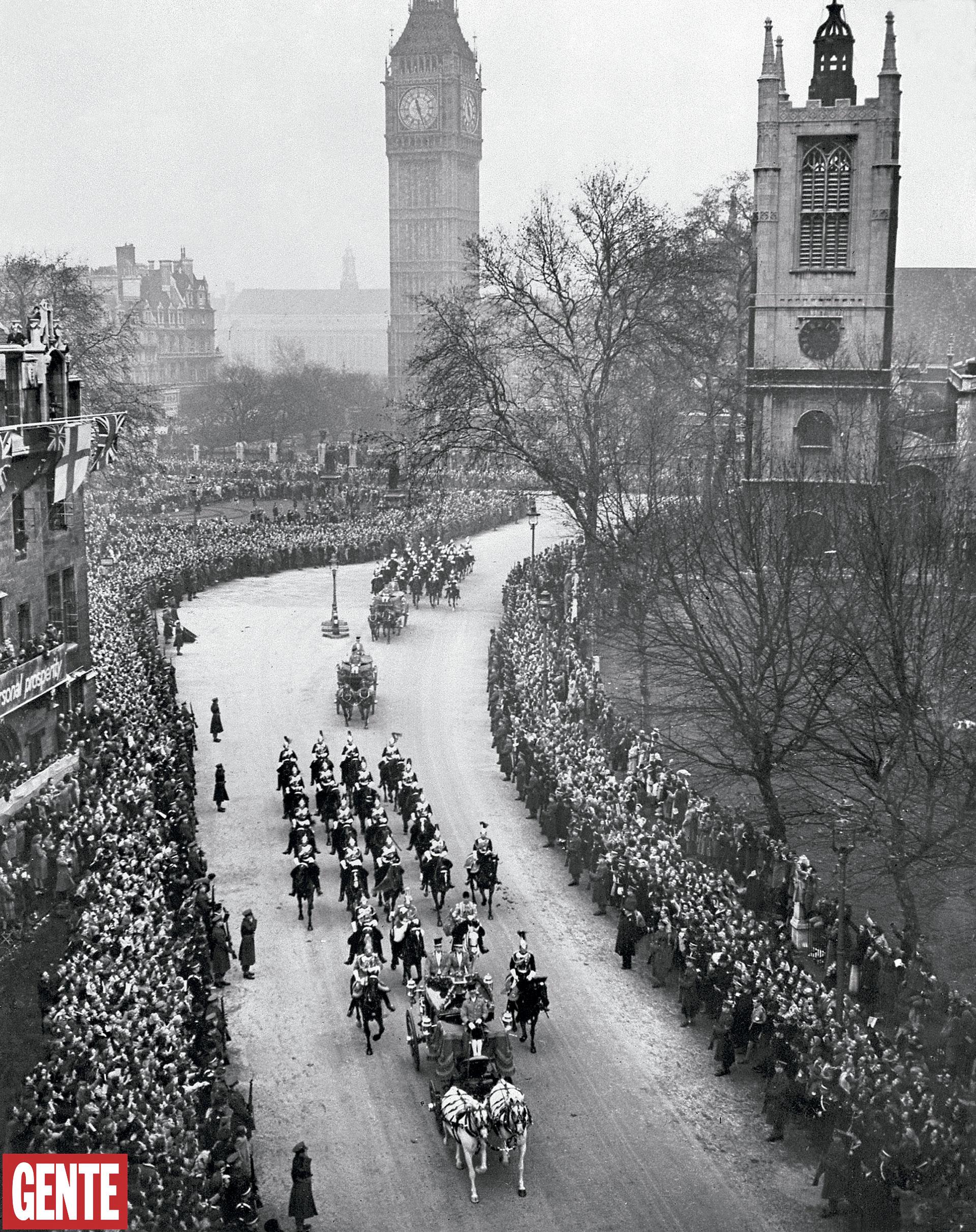 Una vista de la multitud frente a Westminster el día de la gran celebración. FOTO: AFP