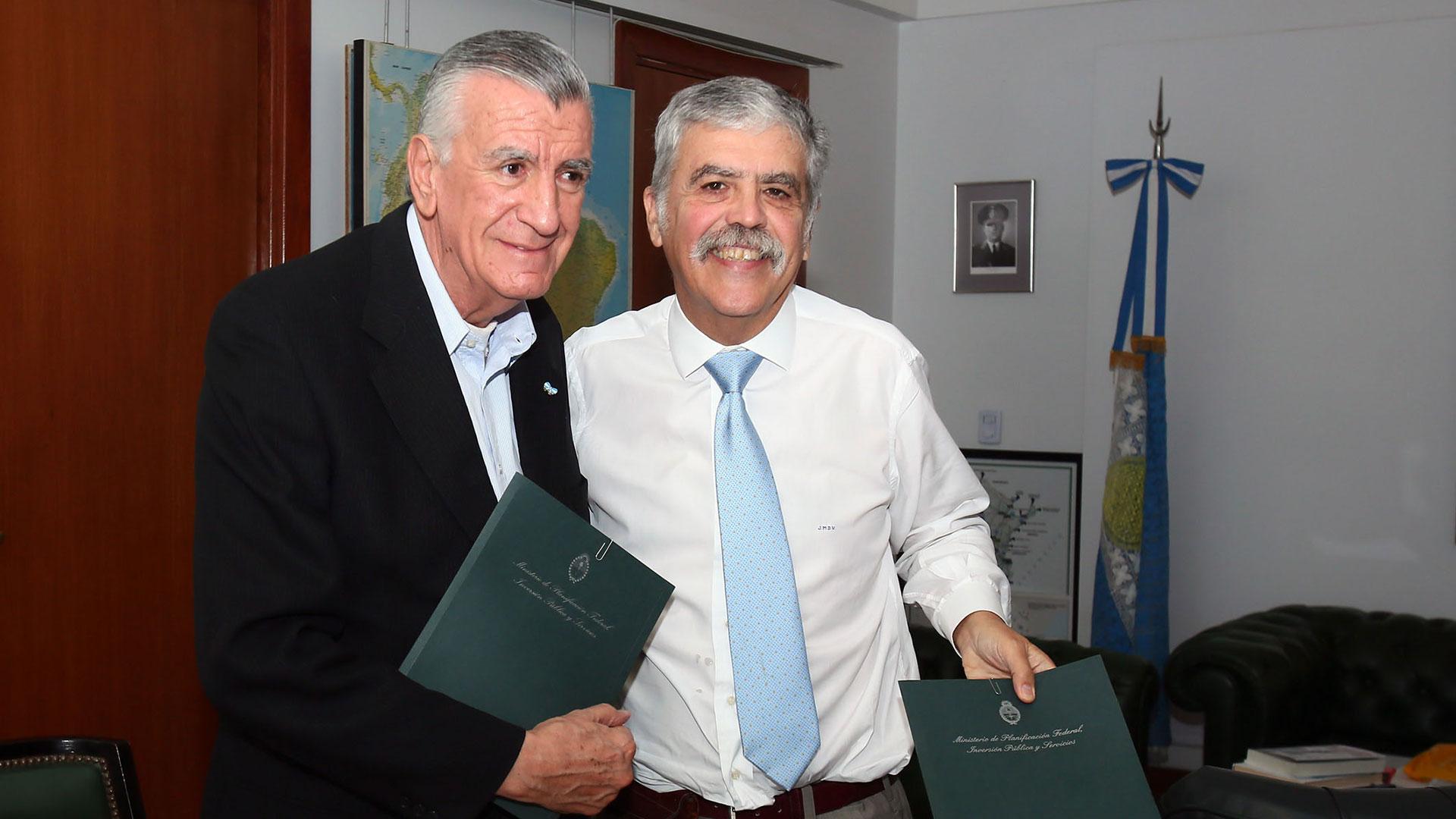 José Luis Gioja con el ex ministro y diputado nacional Julio de Vido. (NA)
