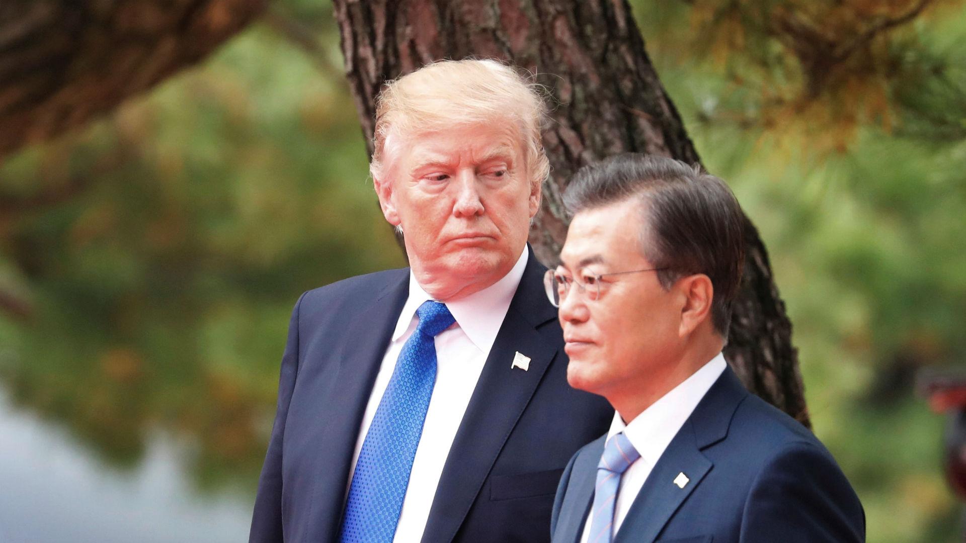 Donald Trump, junto a presidente surcoreano, Moon Jae-In (Reuters)