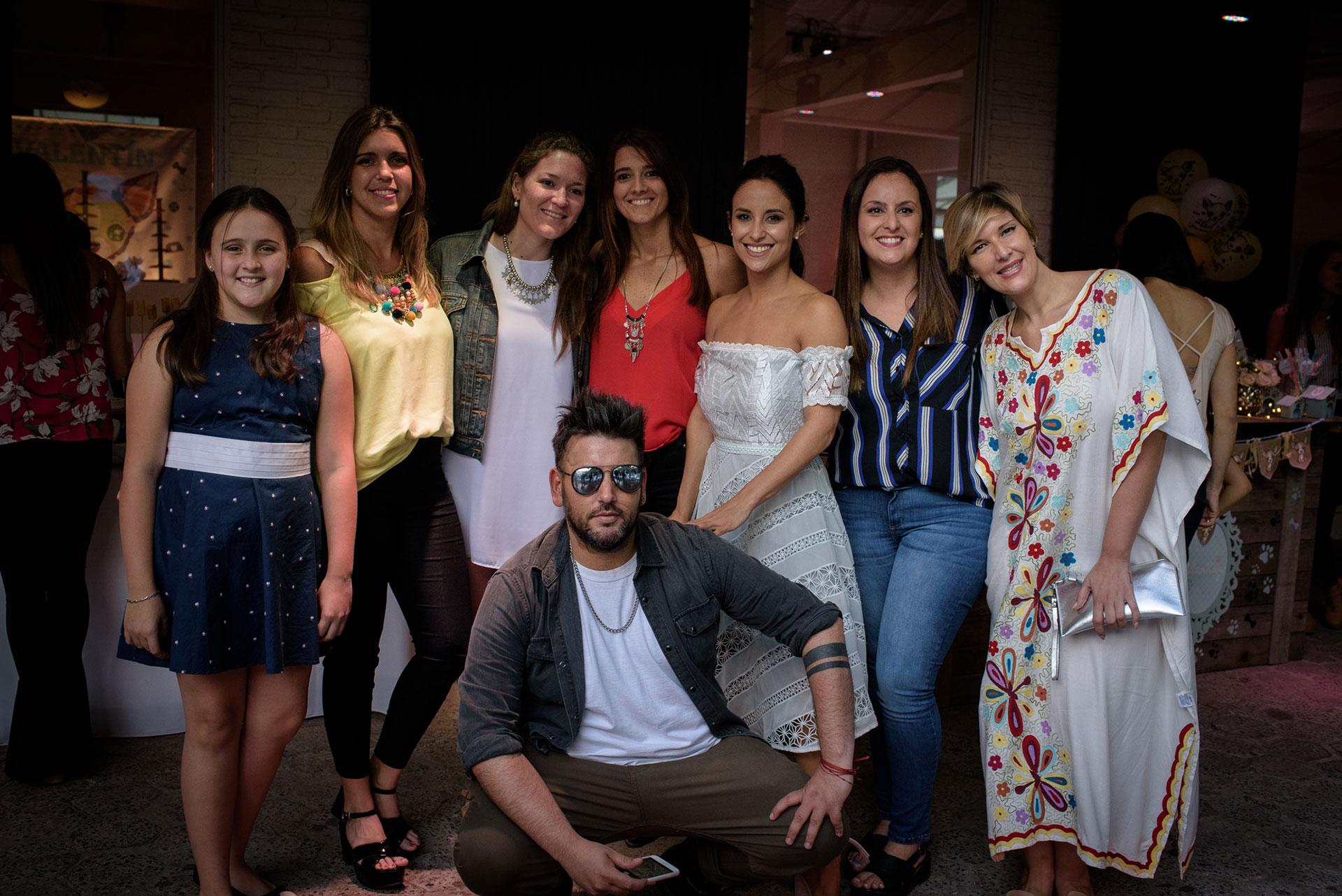 Los amigos de Corrientes de la bailarina no se perdieron los festejos.