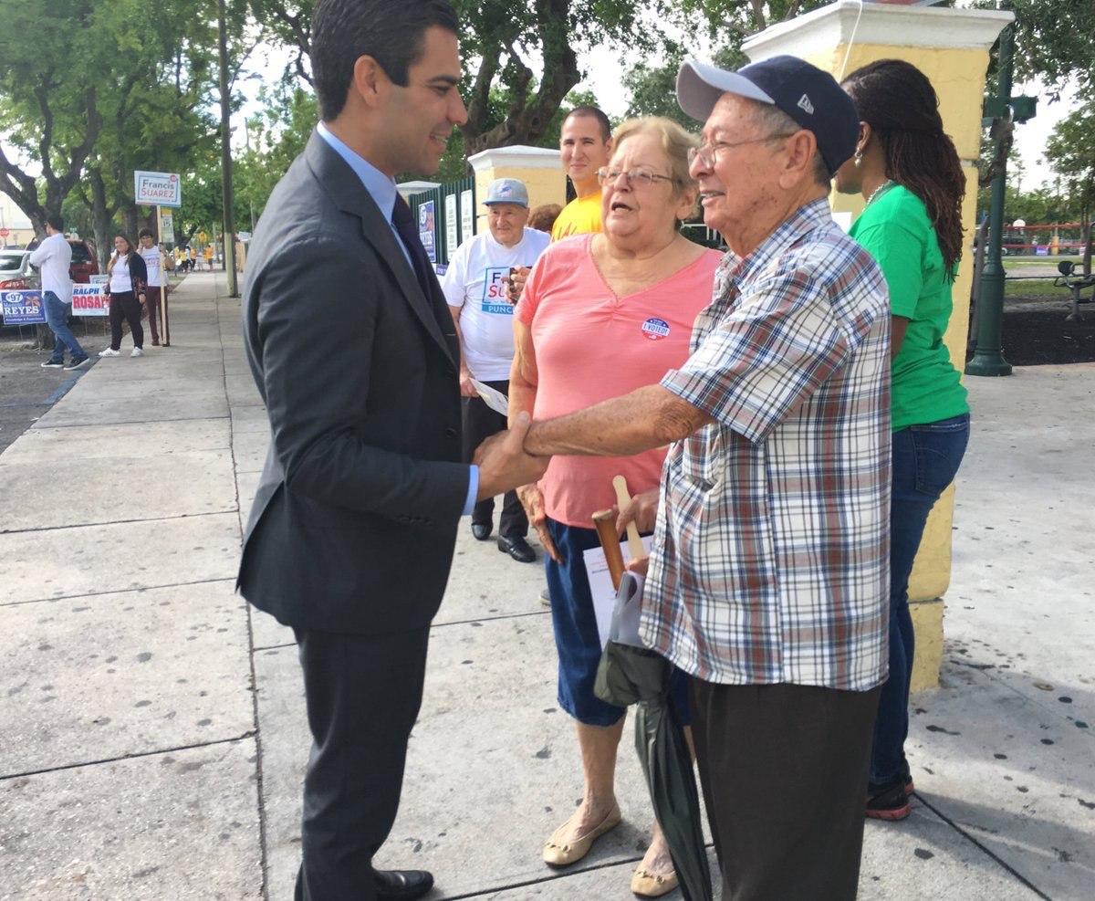 Según datos de la votación anticipada Suárez ya poseía la mayoría delos votos, justo antes de llegar a las urnas