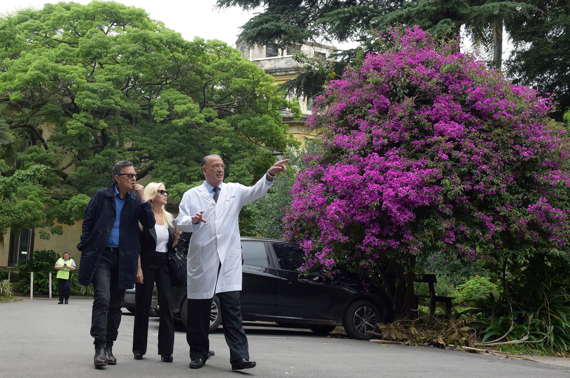 La recorrida por todo el Hospital duró más de una hora e incluyó los jardines diseñados por Thays