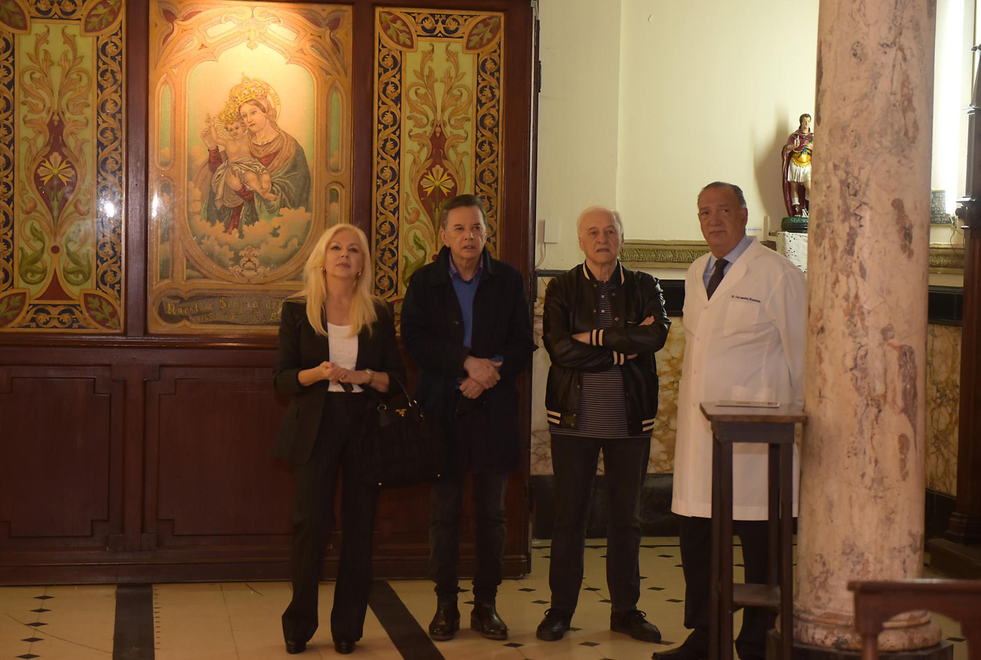 El cantante también quiso visitar la capilla que alberga ese nosocomio y que data de 1800