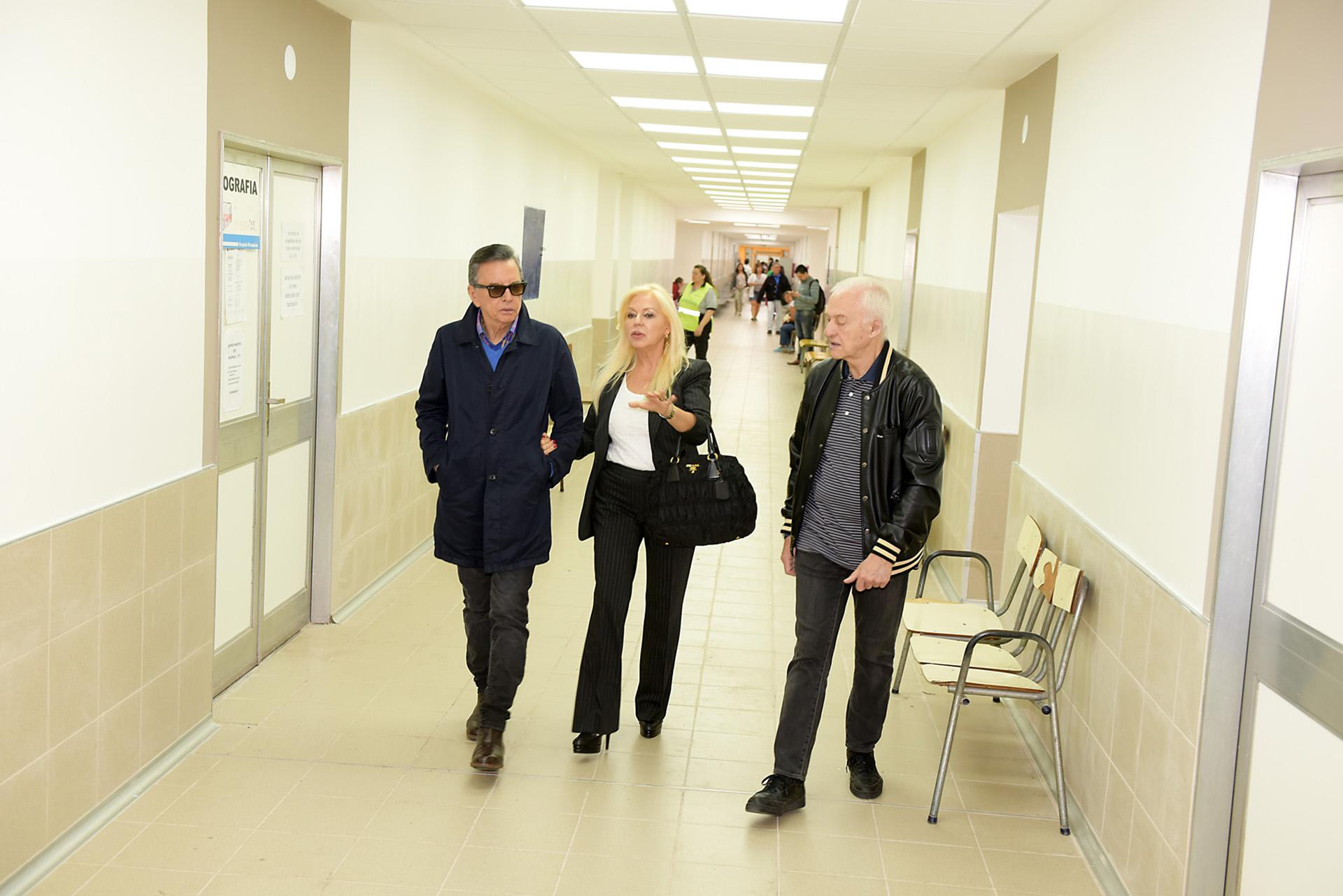 De la mano de Diana Chugri, Palito Ortega y Lalo Fransen recorrieron las obras ya terminadas del Hospital y que pudieron llevarse a cabo gracias a los fondos recaudados por la Fundación Argentina por Más, como los mil metros cuadrados de consultorios externos ubicados en la planta baja