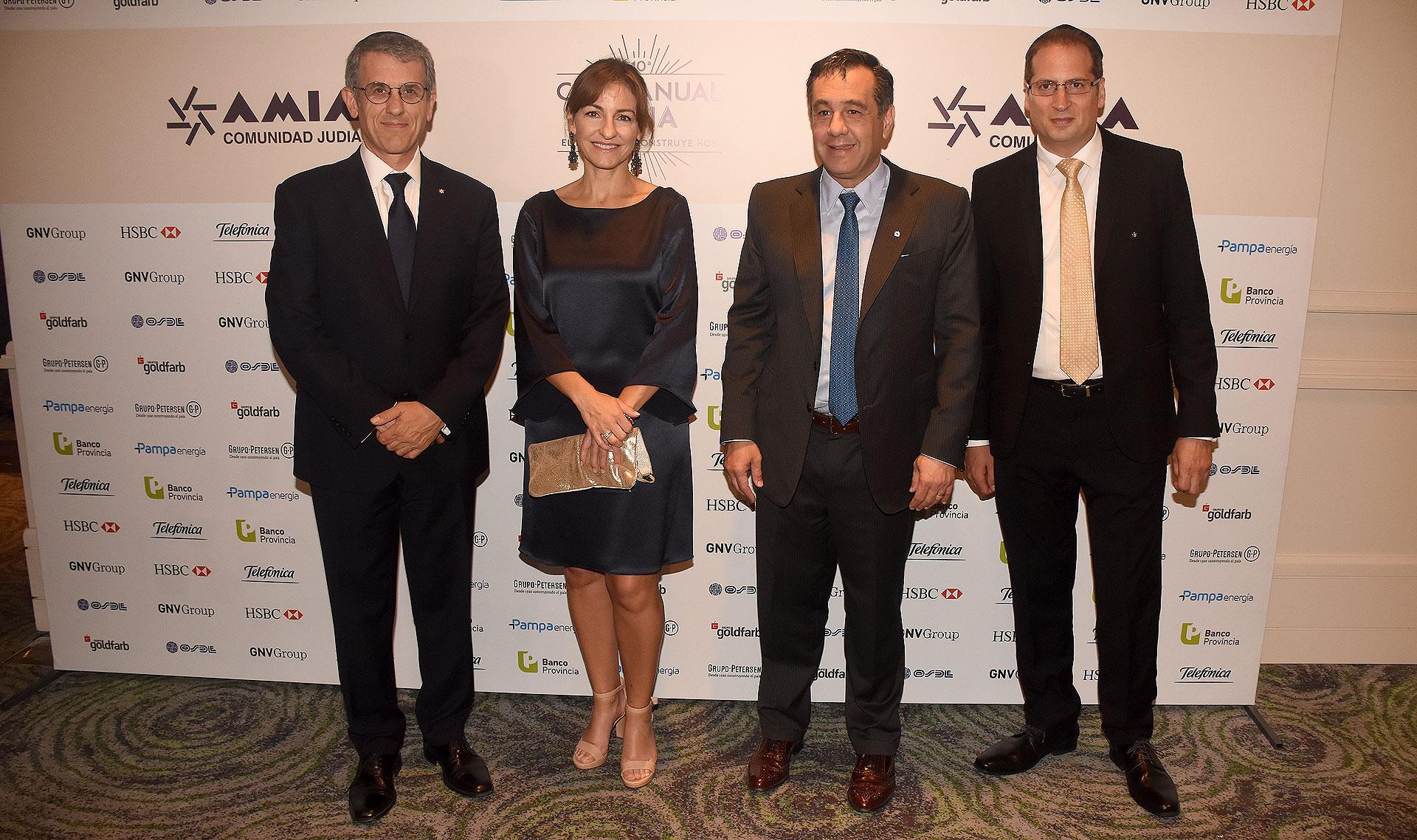 La ministra de Educación porteña, Soledad Acuña, y el ministro de Educación, Alejandro Finocchiaro