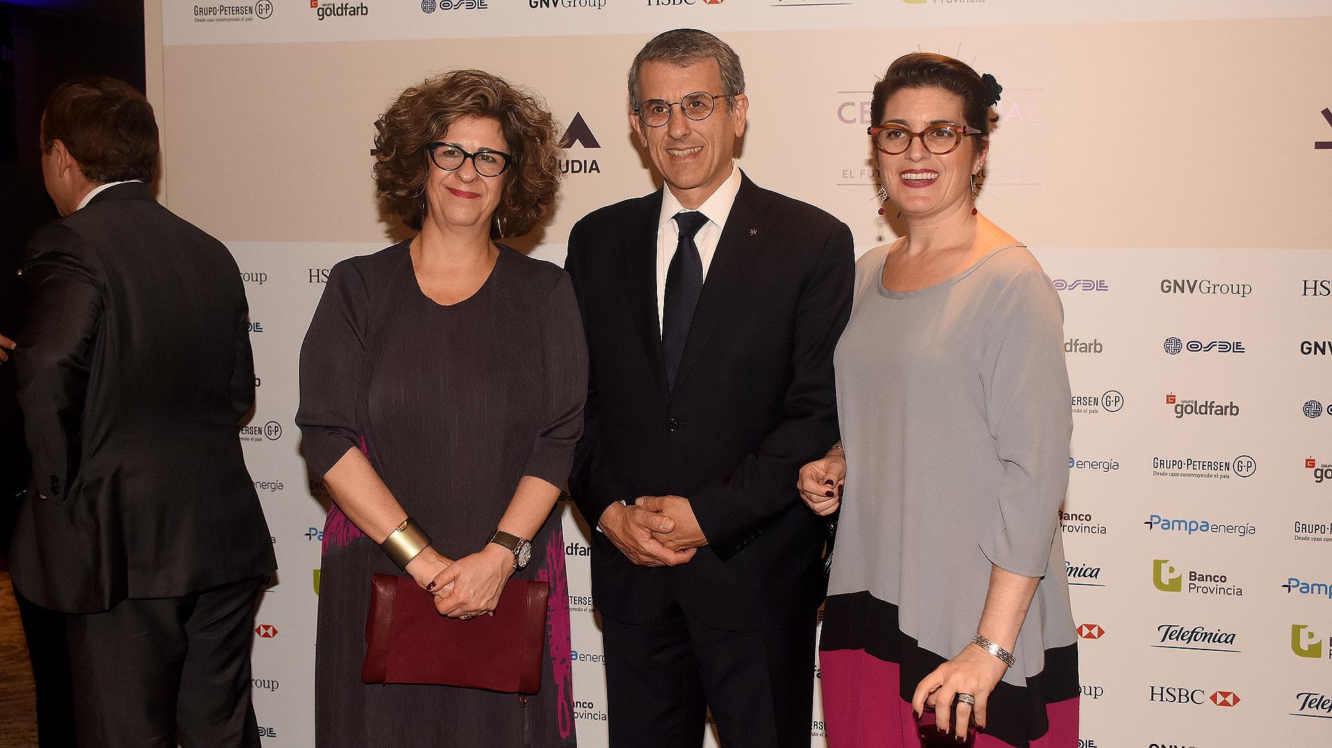 Dina Siegel Vann, directora del American Jewish Committe's (AJC), y Agustín Zbar